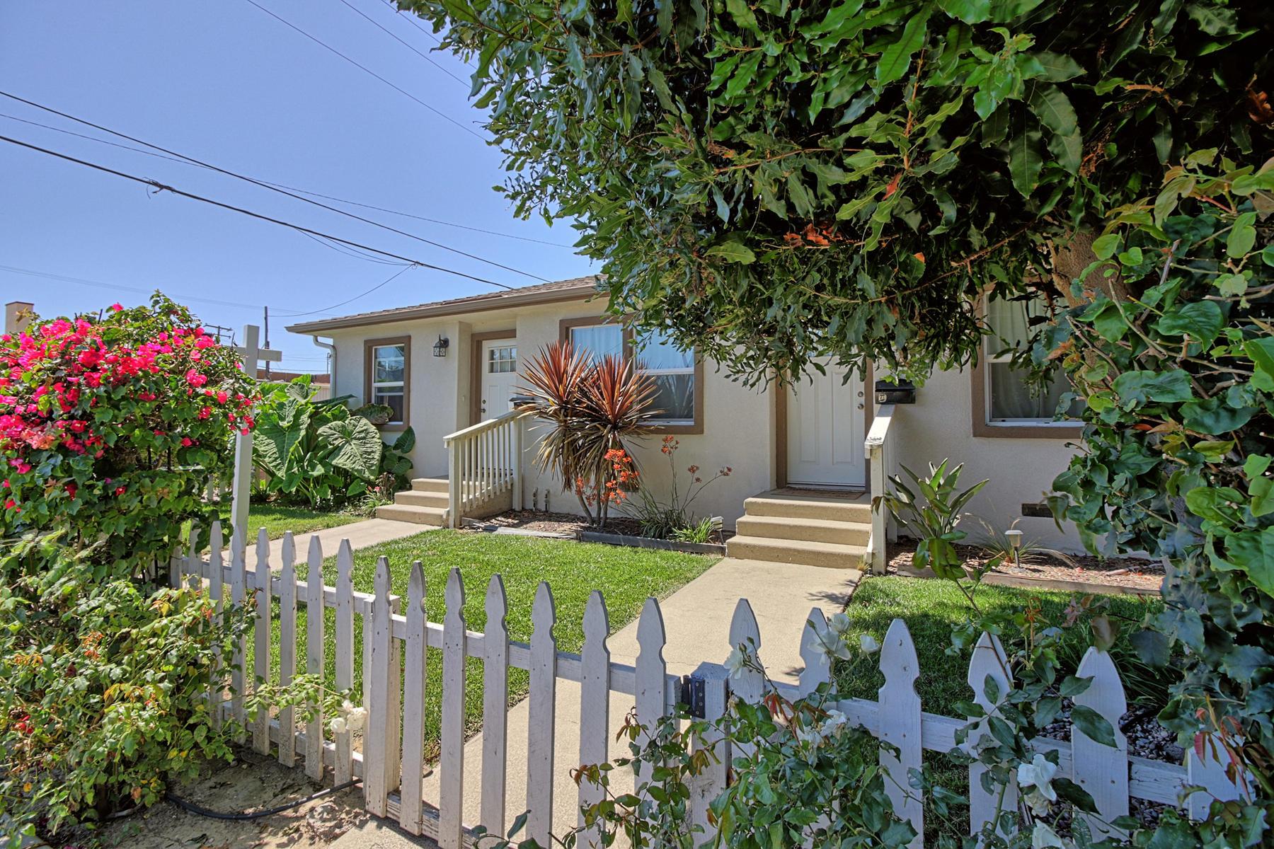 Duplex Homes por un Venta en Charming Midtown Ventura Duplex 39-41 Santa Rosa Street Ventura, California 93001 Estados Unidos