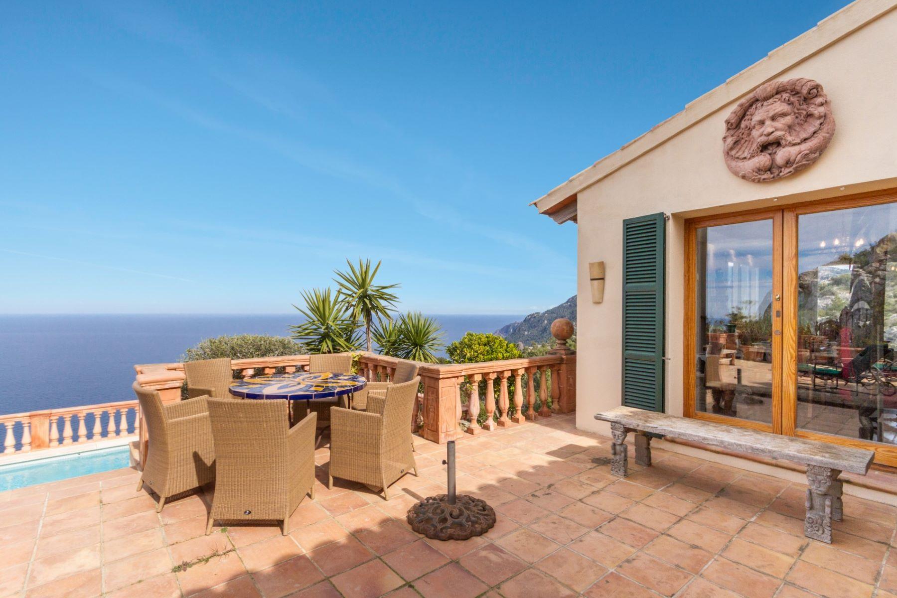 Maison multifamiliale pour l Vente à Beautiful frontline property in Valldemossa Valldemossa, Majorque, 07170 Espagne