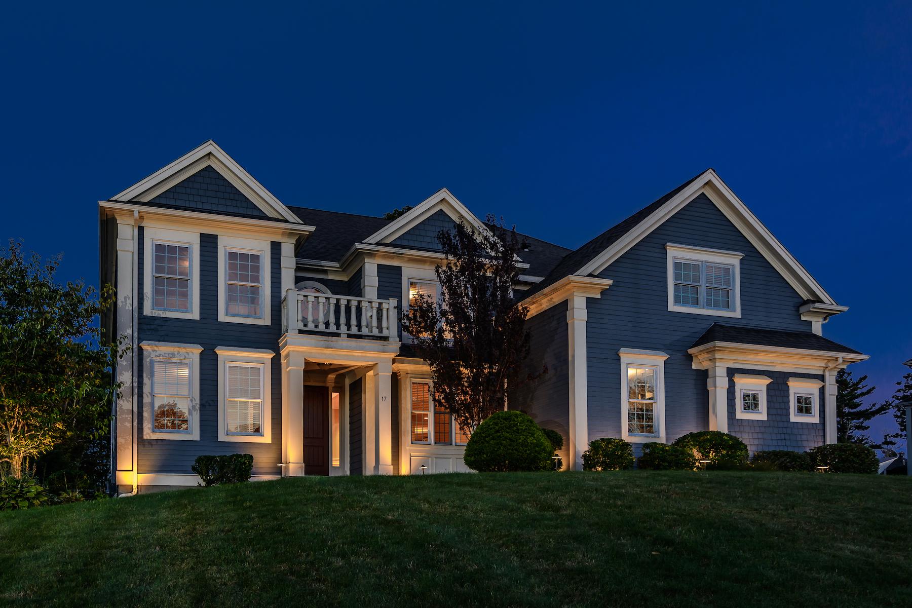Single Family Homes por un Venta en Fine Quality Brendon Signature Home 17 Appaloosa Drive Shrewsbury, Massachusetts 01545 Estados Unidos
