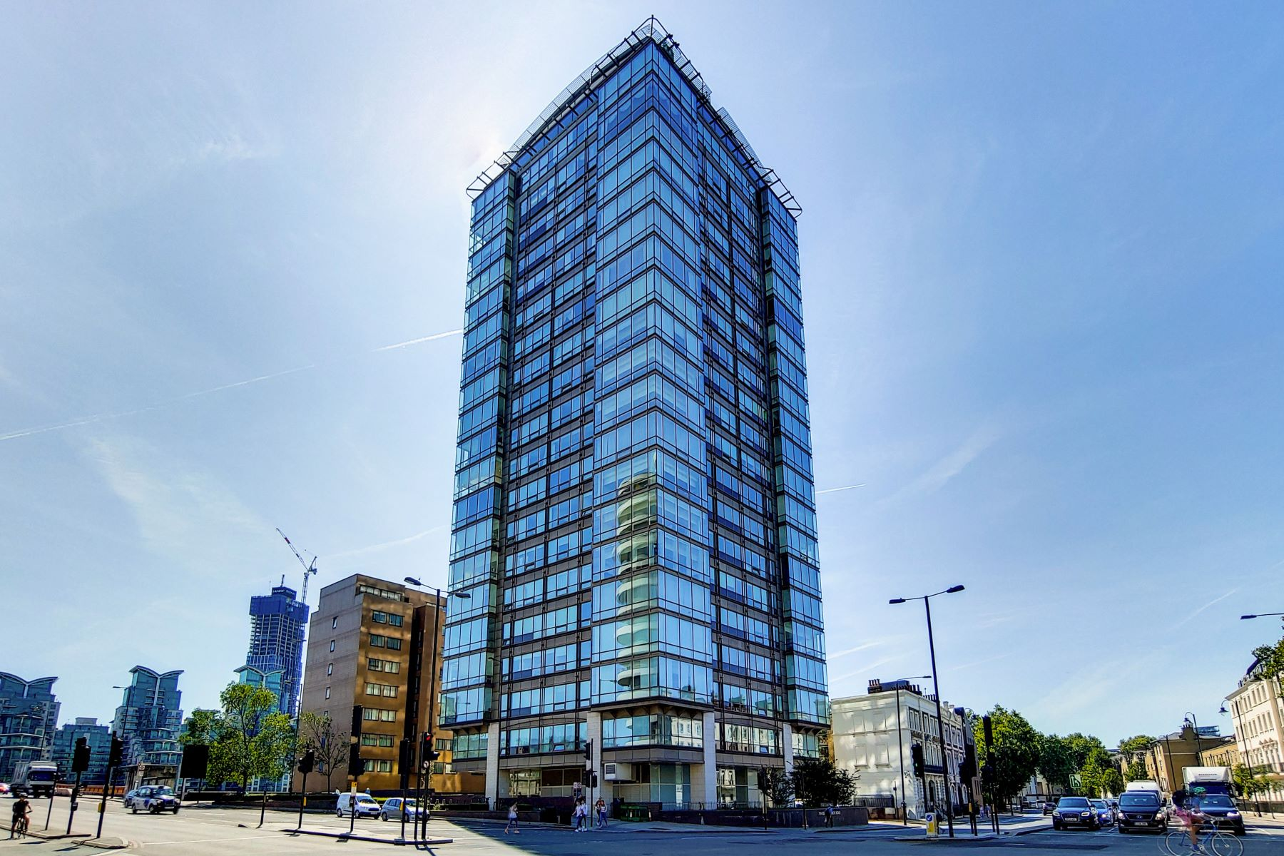 Apartments for Sale at 87-88 The Panoramic 152 Grosvenor Road London, England SW1V 3JL United Kingdom