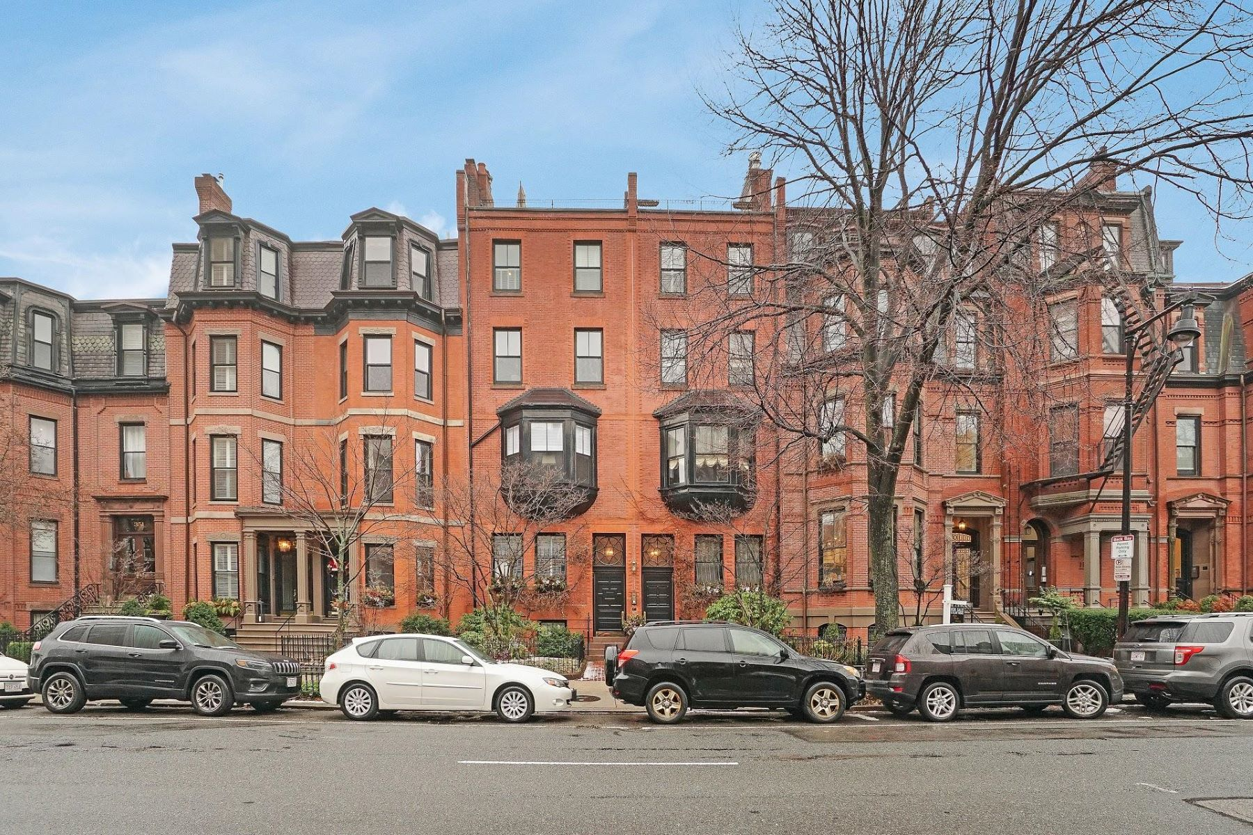 Condominiums por un Venta en 357-359 Beacon Street - Unit 2 Boston, Massachusetts 02116 Estados Unidos