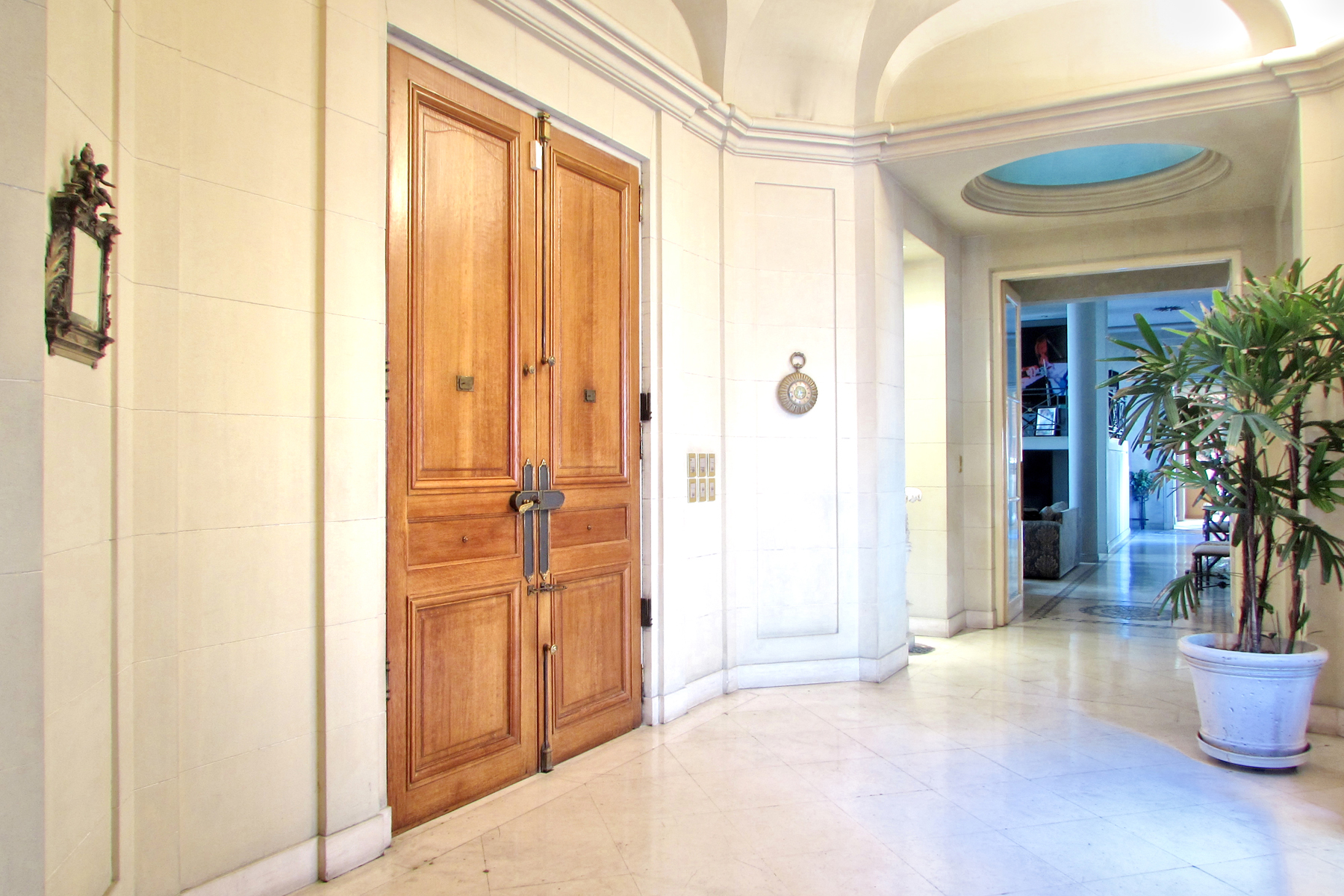 Apartments for Sale at Majestic 530 m2 apartment Juncal 900 Buenos Aires, Buenos Aires C1062ABG Argentina