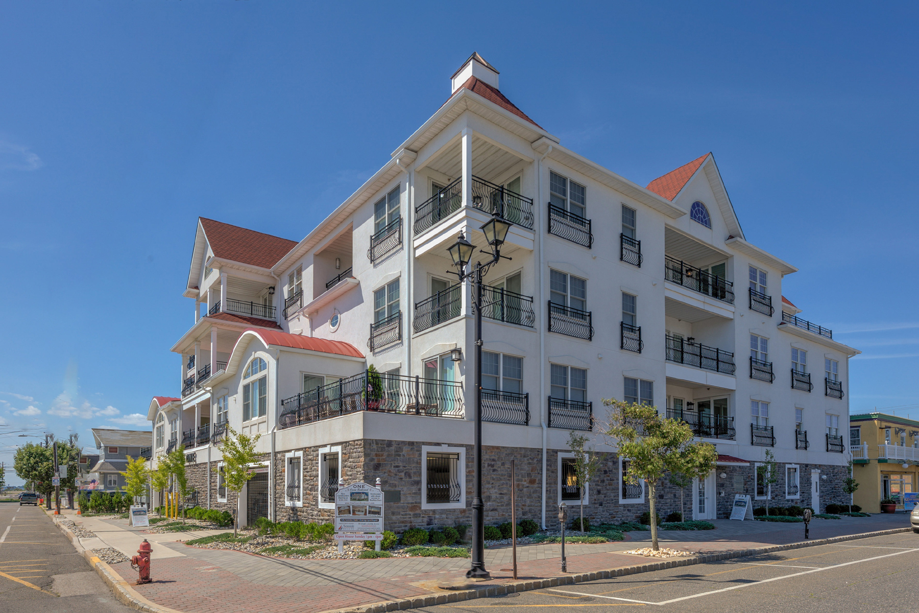 Кондоминиум для того Продажа на Ocean Block Mediterranean Style Complex 1 Boulevard, Unit O, Seaside Heights, Нью-Джерси 08751 Соединенные Штаты