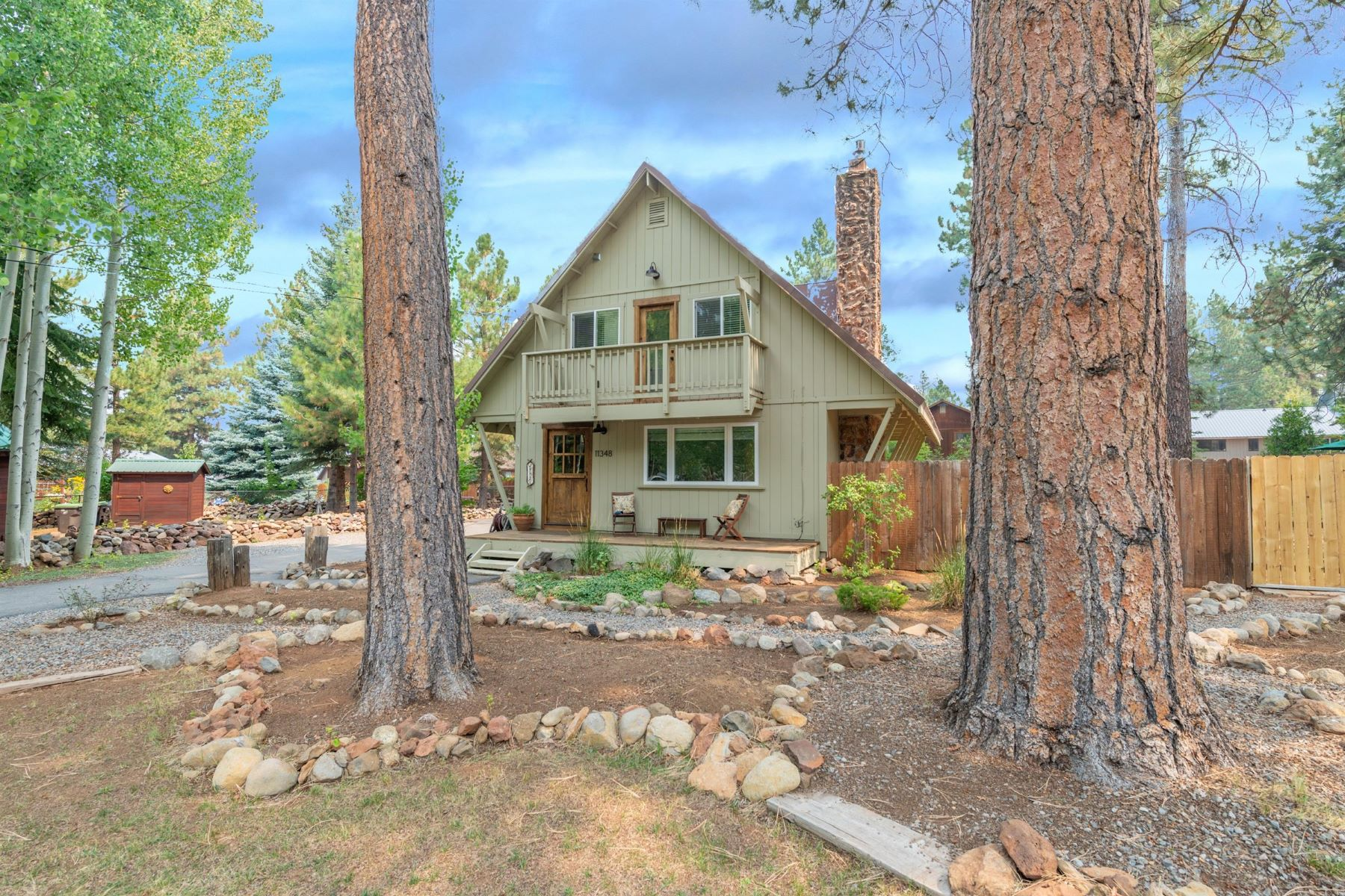 Beautiful Glenshire Chalet 11348 Huntsman Leap Truckee, California 96161 Estados Unidos