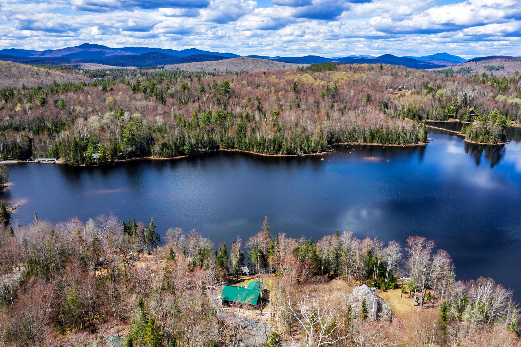 Single Family Homes 為 出售 在 Indian Lake, 纽约 12842 美國