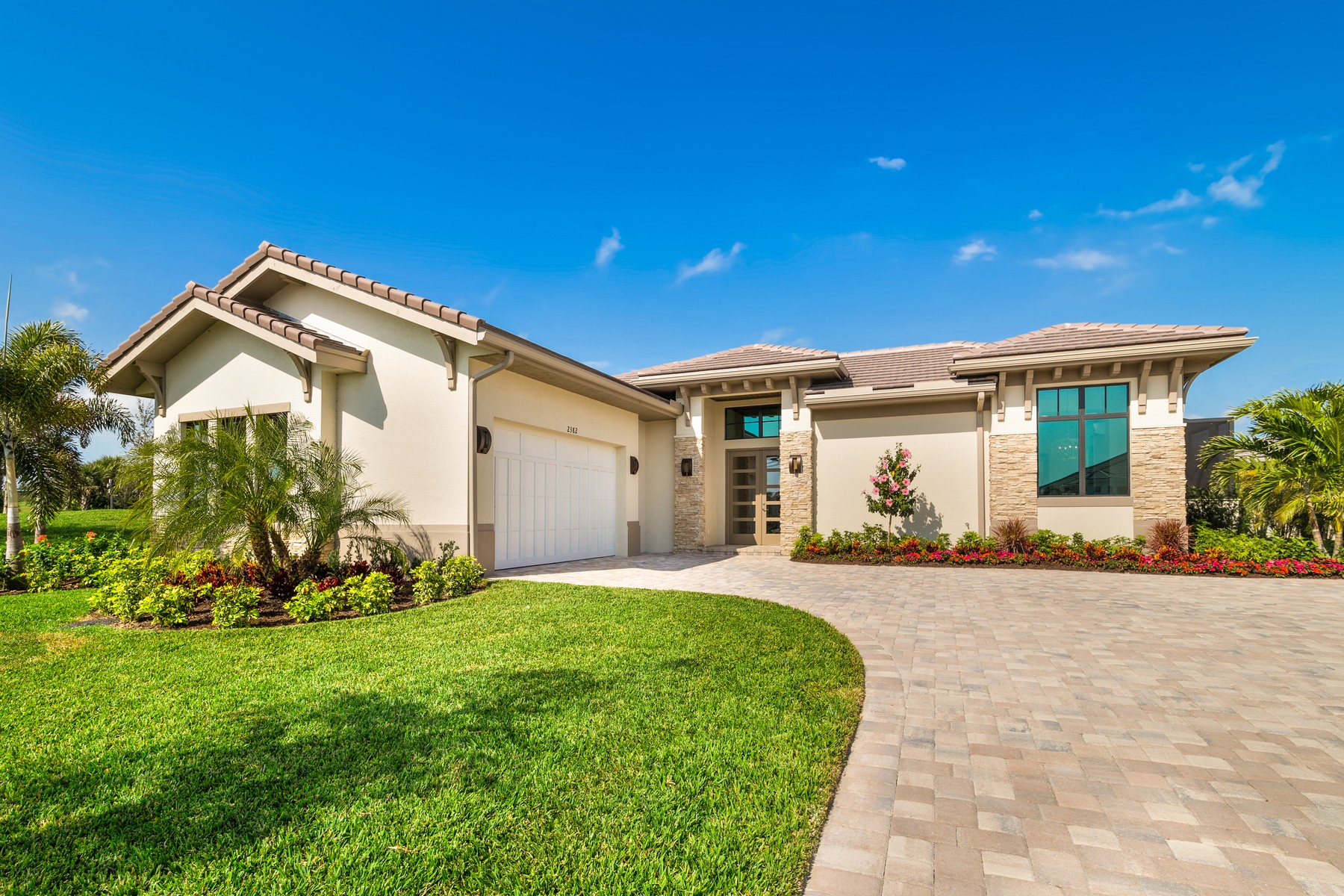Single Family Homes のために 売買 アット Luxury New Construction in Grand Harbor 2364 Grand Harbor Reserve Square Vero Beach, フロリダ 32967 アメリカ