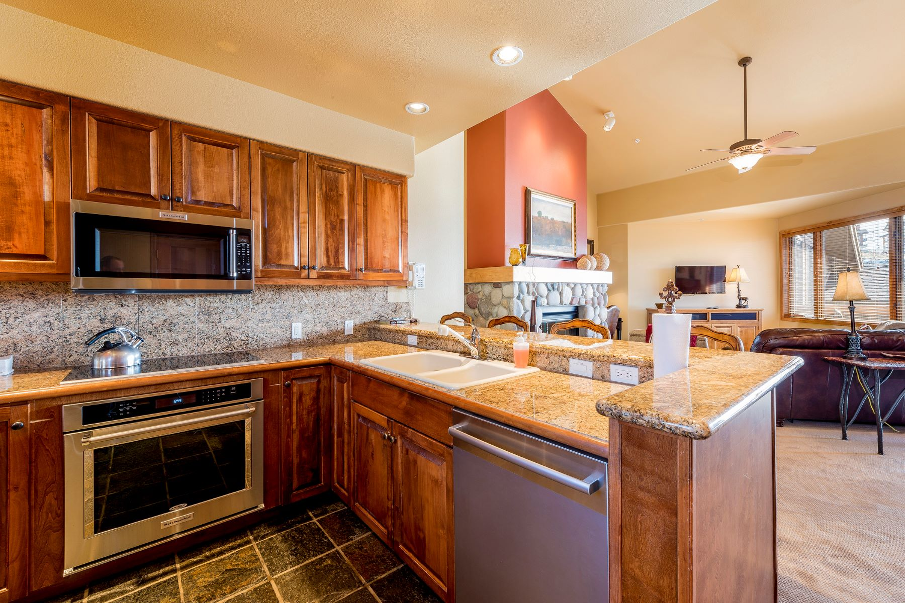 Additional photo for property listing at Christie Club Condo 2355 Ski Time Square, #336 Steamboat Springs, Colorado 80487 United States