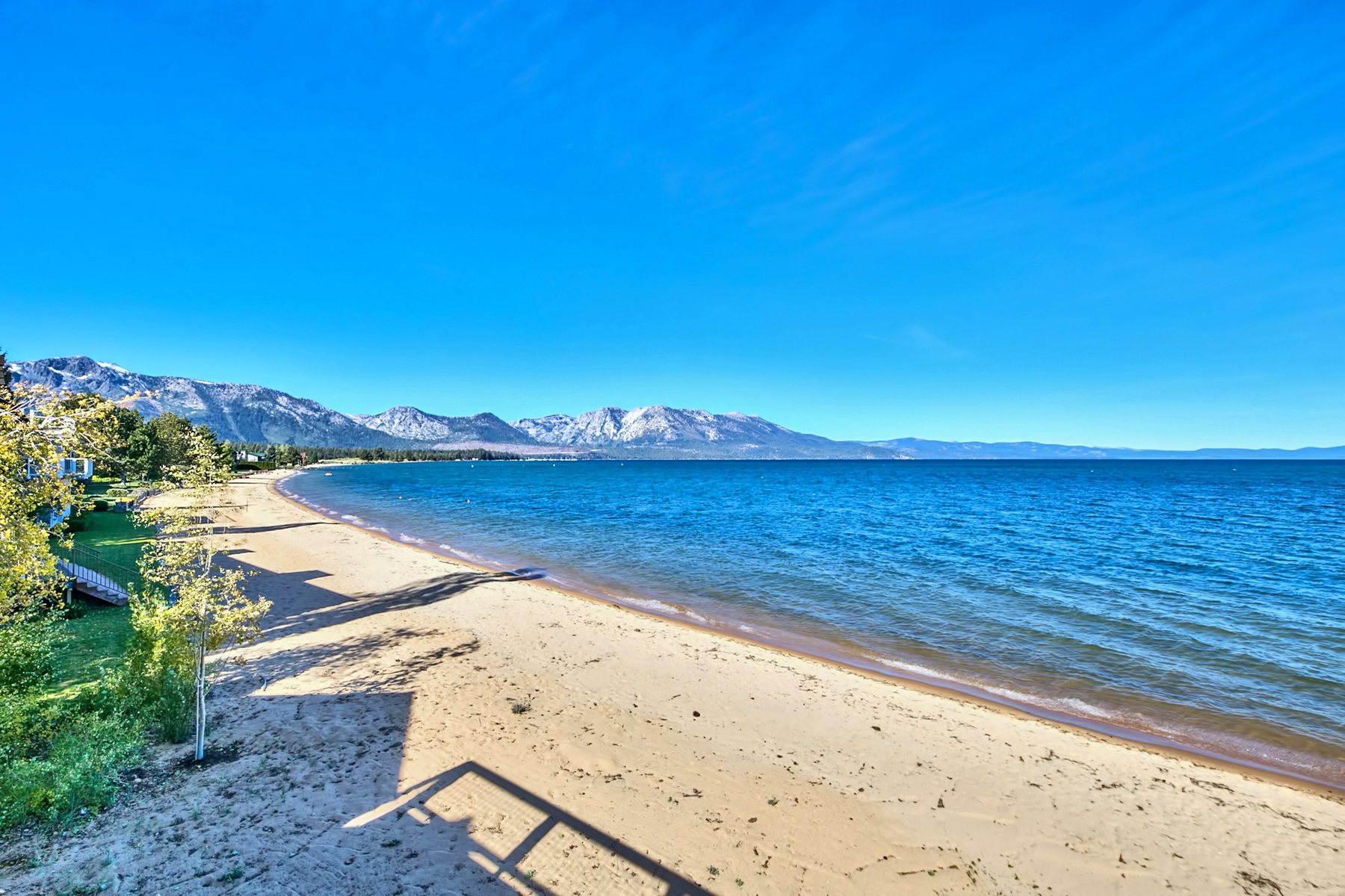 Additional photo for property listing at 319 Beach Drive South Lake Tahoe California, 96150 319 Beach Drive South Lake Tahoe, California 96150 Estados Unidos