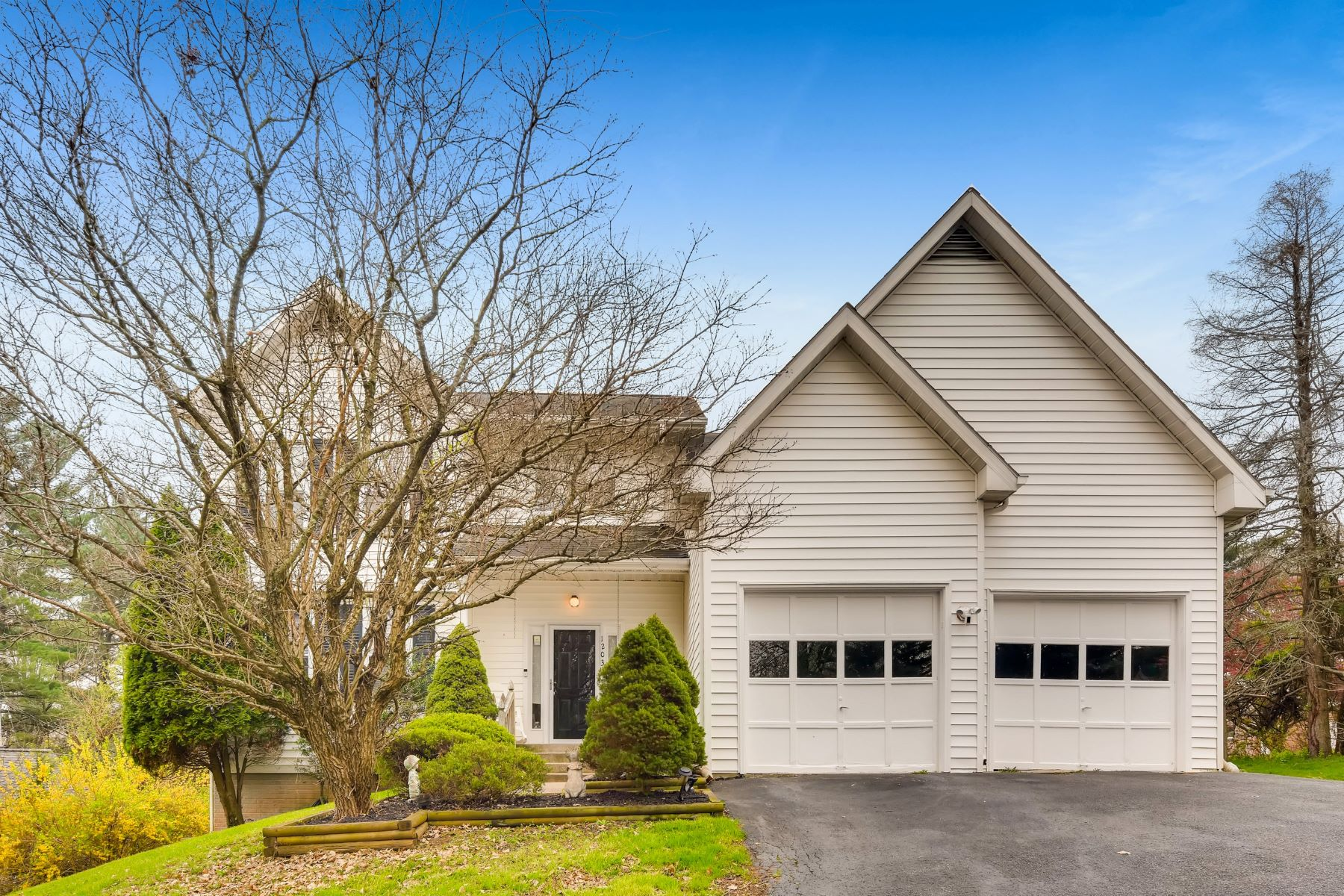 Single Family Homes for Active at 12034 Bonita Avenue Owings Mills, Maryland 21117 United States