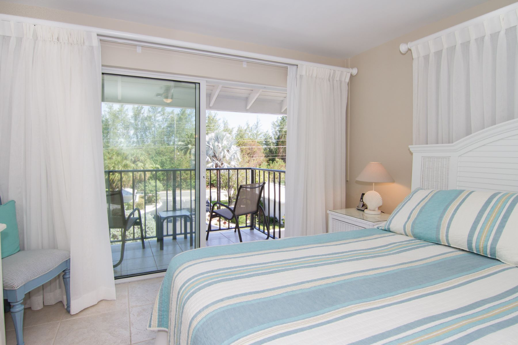 Additional photo for property listing at Discovery Point Club Vacation Rental Seven Mile Beach,  Cayman Islands