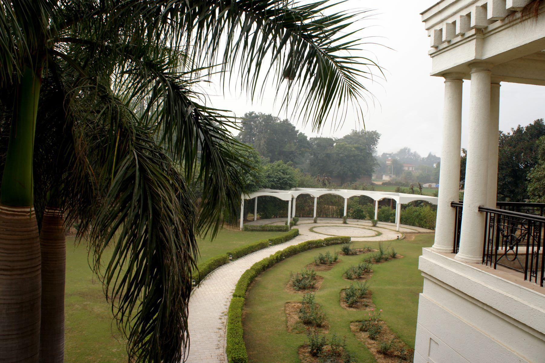 Farm / Ranch / Plantation for Sale at Farmhouse in Westend Greens West End Green, Shivji Marg New Delhi, Delhi 110038 India