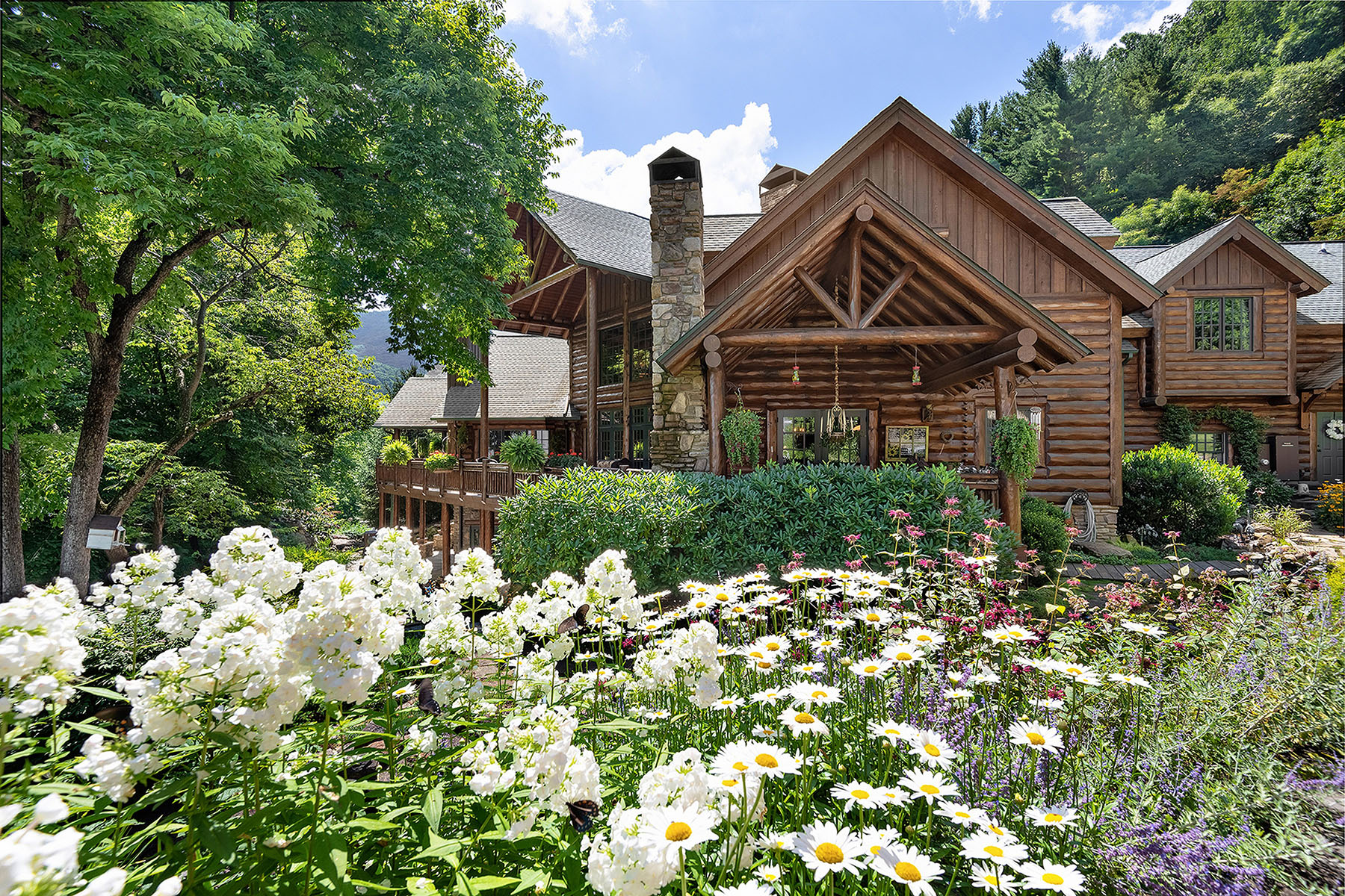 Single Family Homes for Sale at WAYNESVILLE - 212 SWEETHART PLACE 212 Sweethart Pl Waynesville, North Carolina 28786 United States