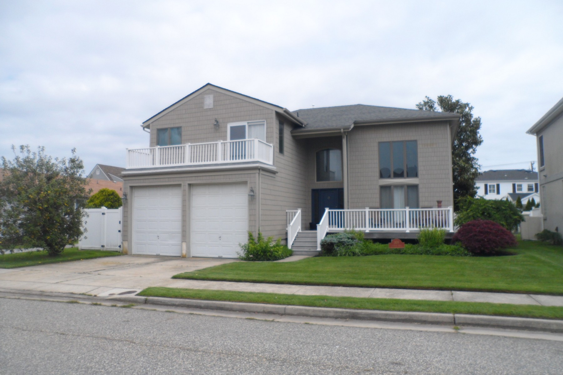 Single Family Home for Sale at 309 Windsor Drive Ventnor, New Jersey, 08406 United States