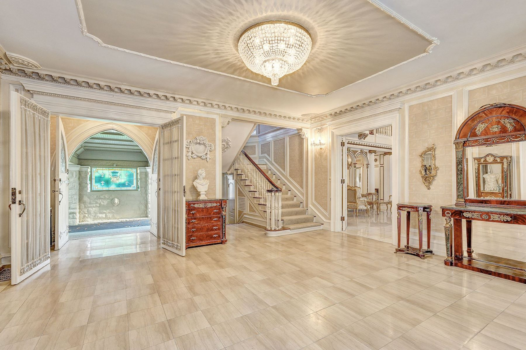 Additional photo for property listing at The Corby Mansion 9 Chevy Chase Circle Chevy Chase, Maryland 20815 United States