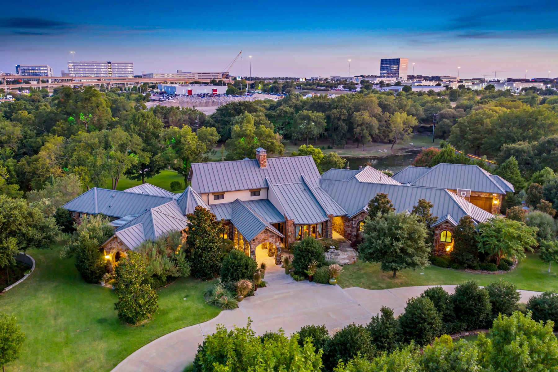 Single Family Homes for Active at Heart of Frisco ! 3 Stonebriar Way Frisco, Texas 75034 United States