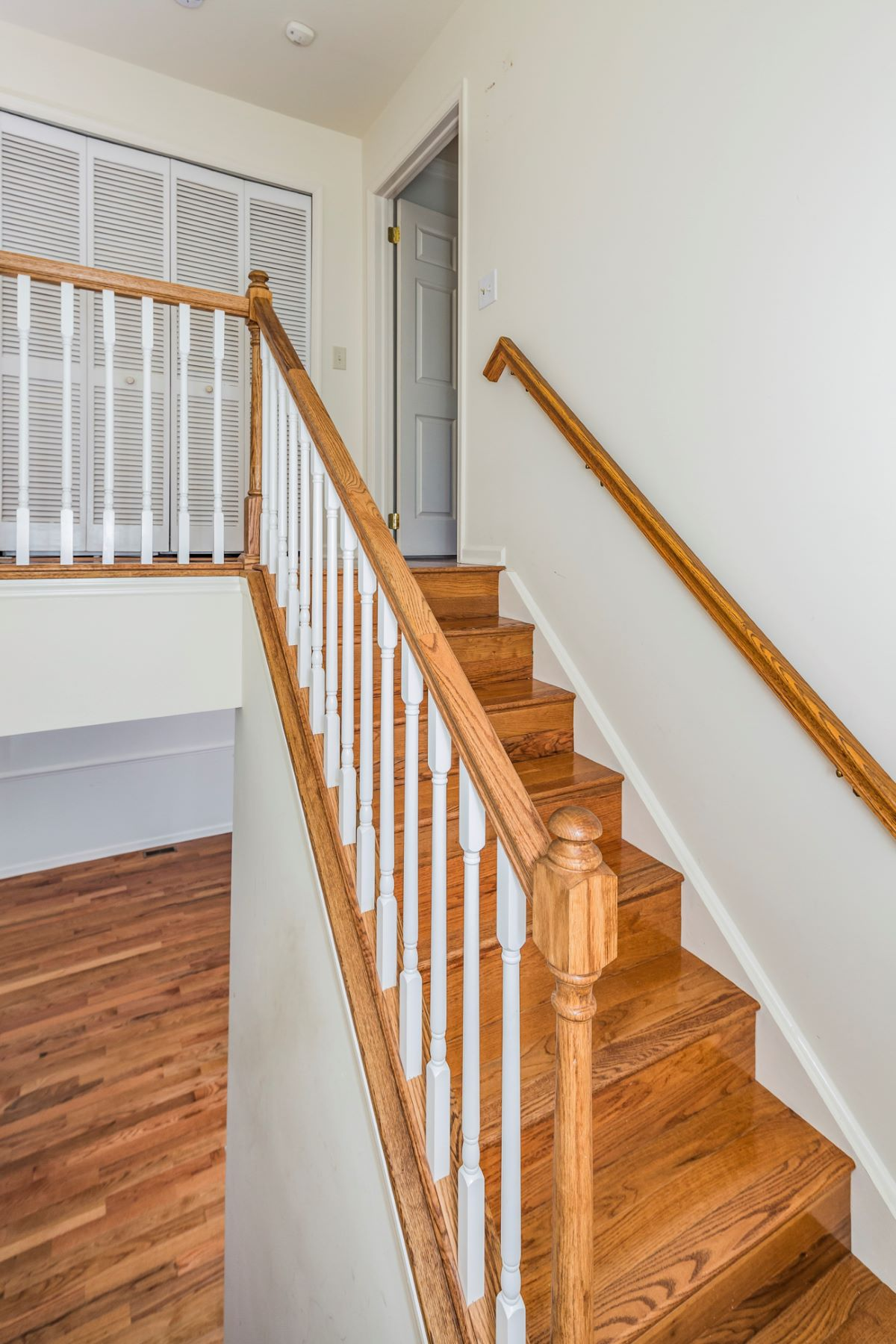 Additional photo for property listing at Beautifully Maintained in Princeton Greens 15 Astor Court, Princeton, New Jersey 08540 United States