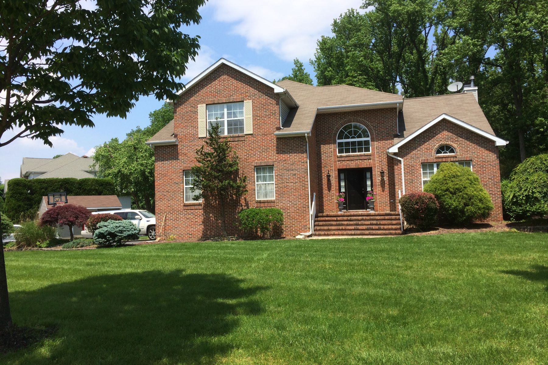 Additional photo for property listing at Striking Brick Front Colonial 23 Arnold Lane, Robbinsville, New Jersey 08691 United States
