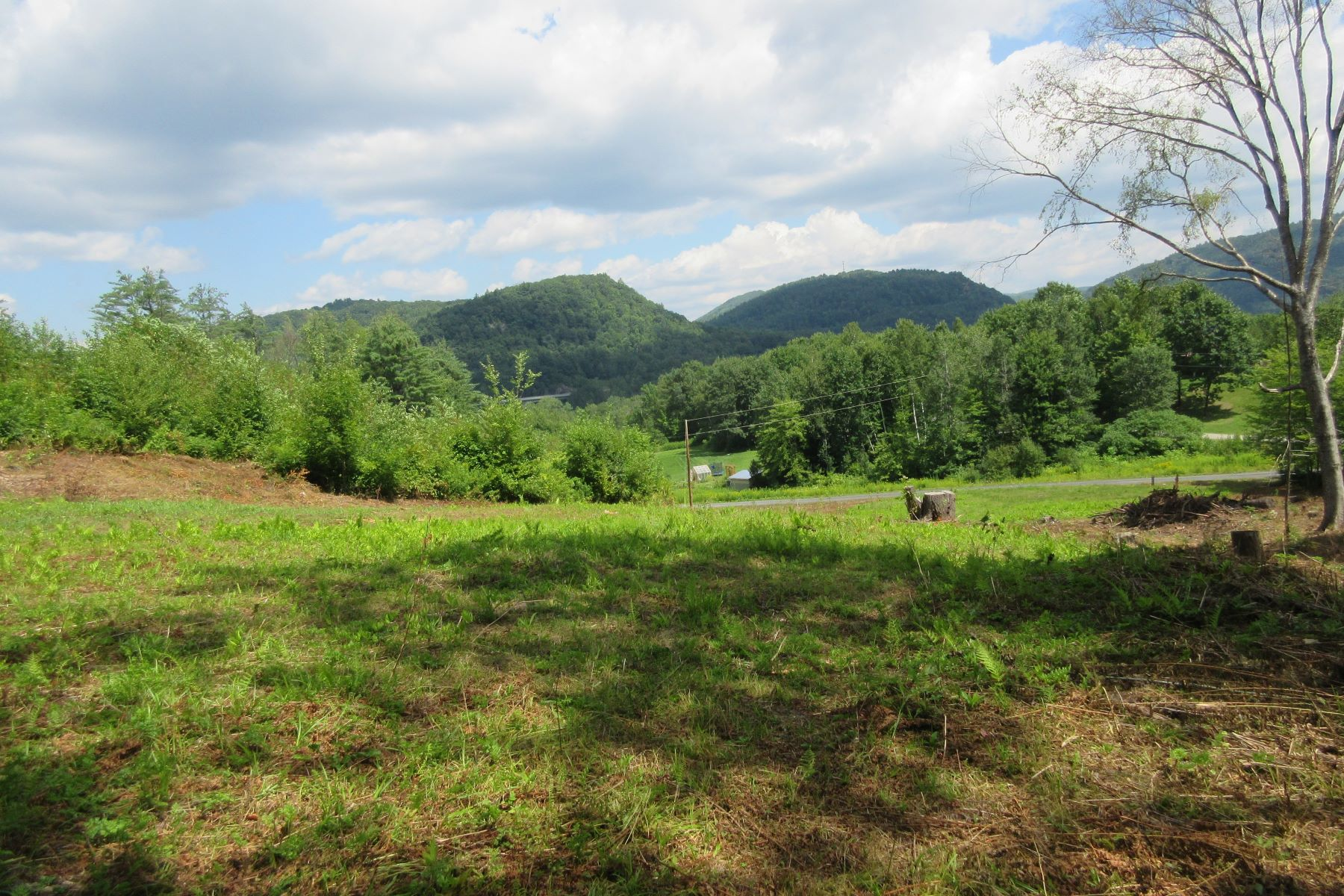 Land for Sale at Easterly views, near Sharon Academy 7 Lukes Ln Sharon, Vermont 05065 United States
