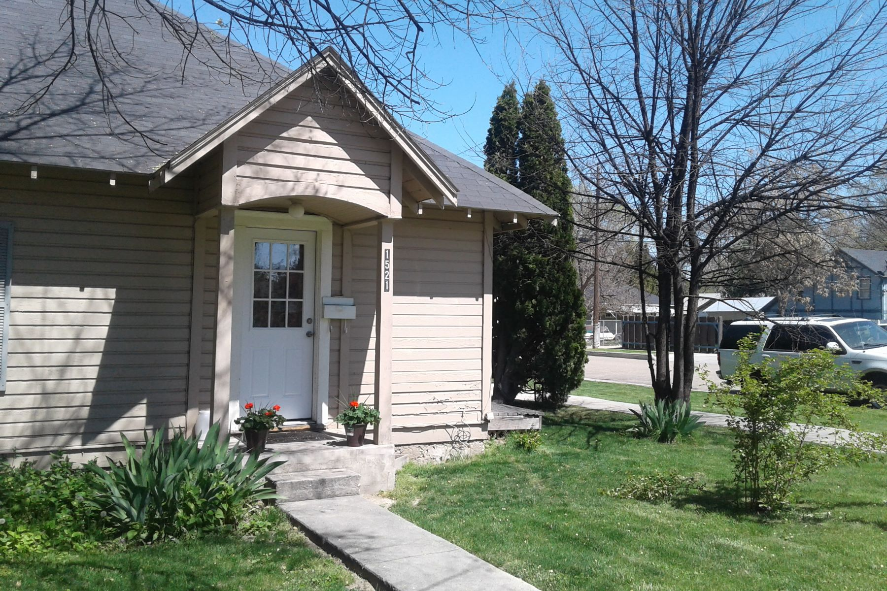 Multi-Family Homes for Sale at 1521 Blaine St, Caldwell 1521 Blaine St Caldwell, Idaho 83605 United States