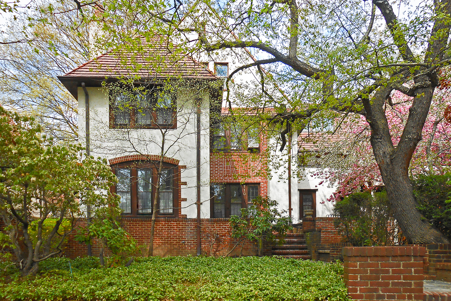 "Additional photo for property listing at ""RARELY AVAILABLE FOREST HILLS GARDENS GEM""  Forest Hills, New York 11375 United States"