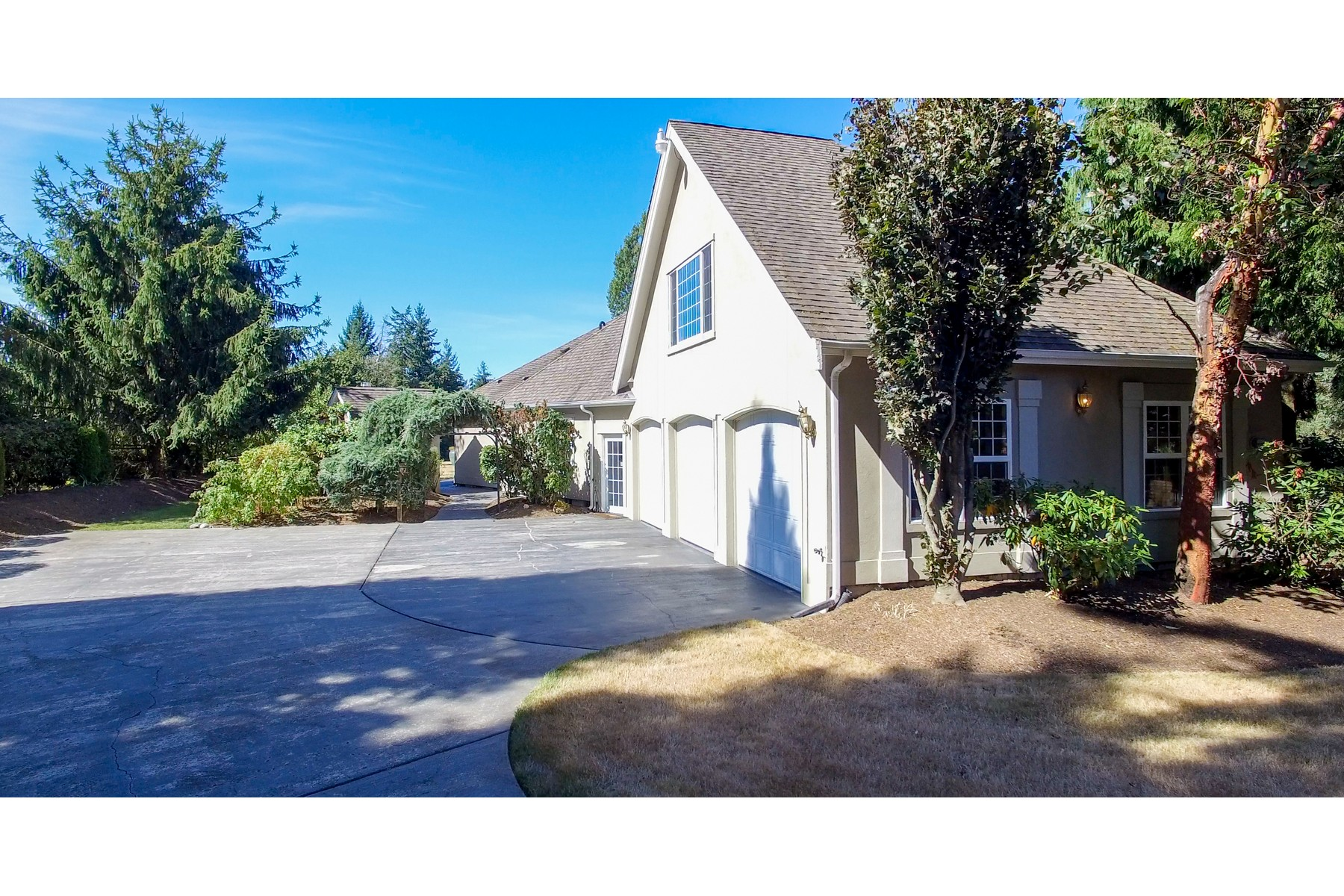 Additional photo for property listing at 23110 75th Ave, Woodinville 23110 75th Ave SE Woodinville, Washington 98072 États-Unis