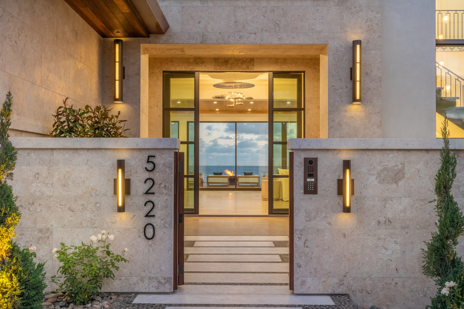 Single Family Homes for Active at 5220 Chelsea St La Jolla, California 92037 United States