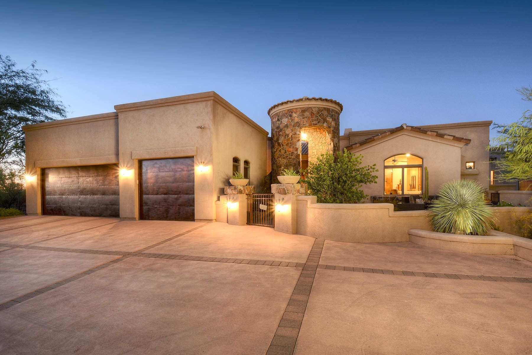 Single Family Homes for Active at Welcome to Your Oasis in the Desert! 12798 N Sorrel Stallion Place Marana, Arizona 85658 United States