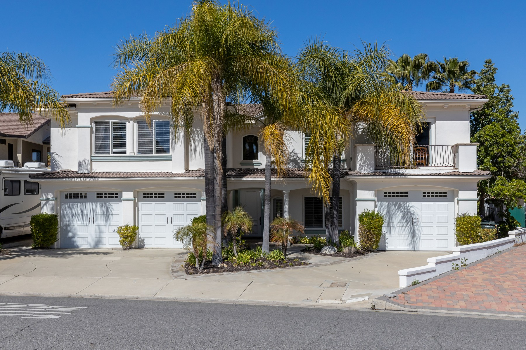 Single Family Homes for Active at Beautiful Waterfront Property 22818 Gray Fox Drive Canyon Lake, California 92587 United States