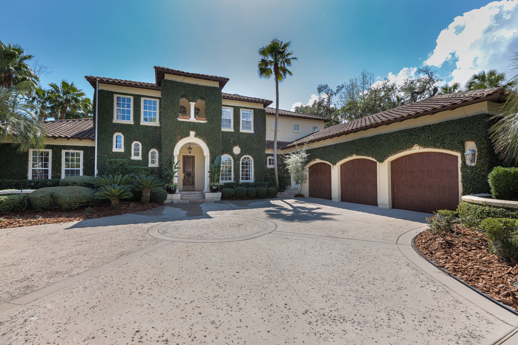 Villa per Vendita alle ore Stunning Marsh Landing Country Club Home 129 Kingfisher Drive Ponte Vedra Beach, Florida, 32082 Stati Uniti