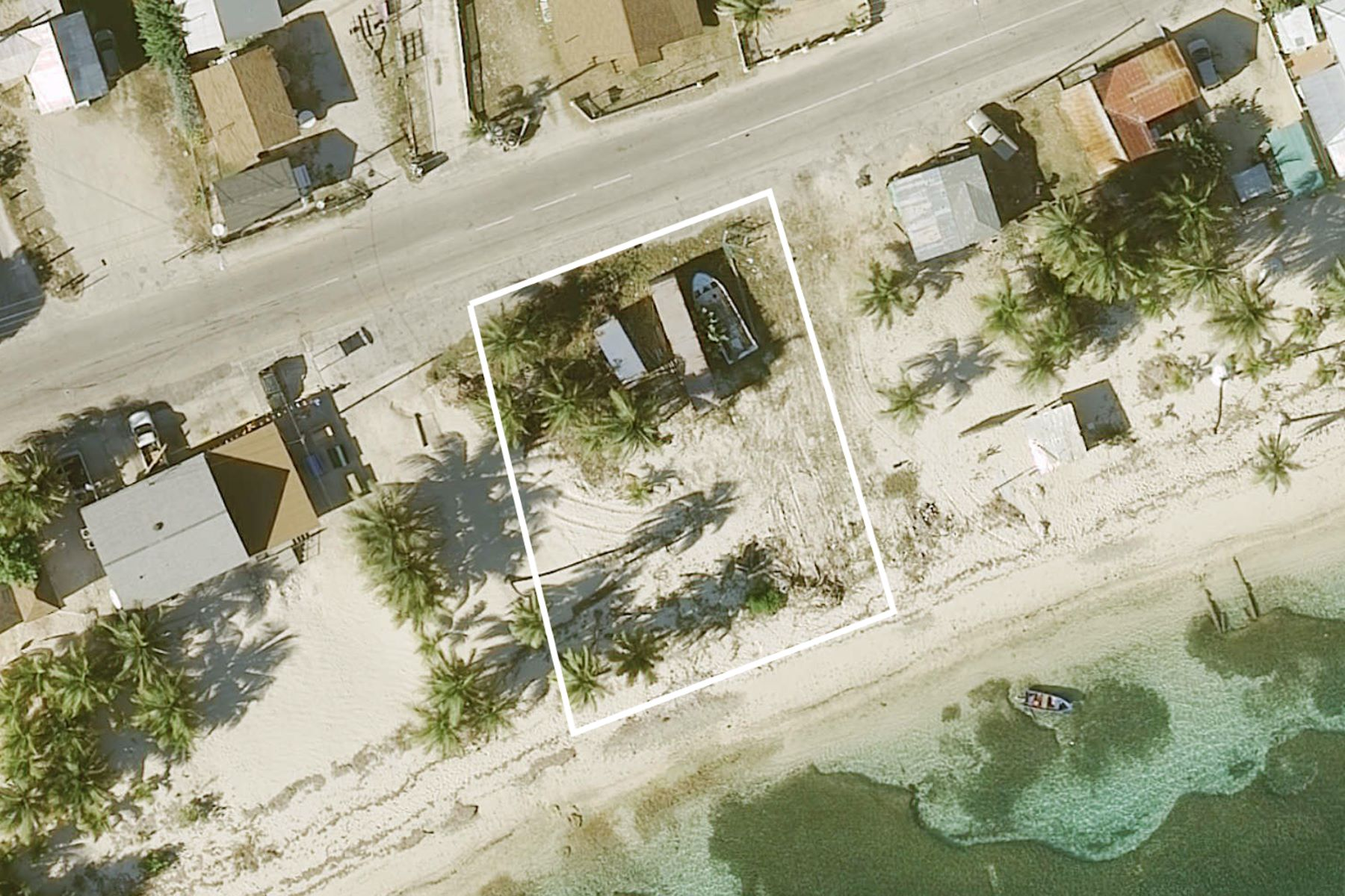 Additional photo for property listing at East End Beach Front Land, Sea View Rd 东区, 大开曼岛 开曼群岛