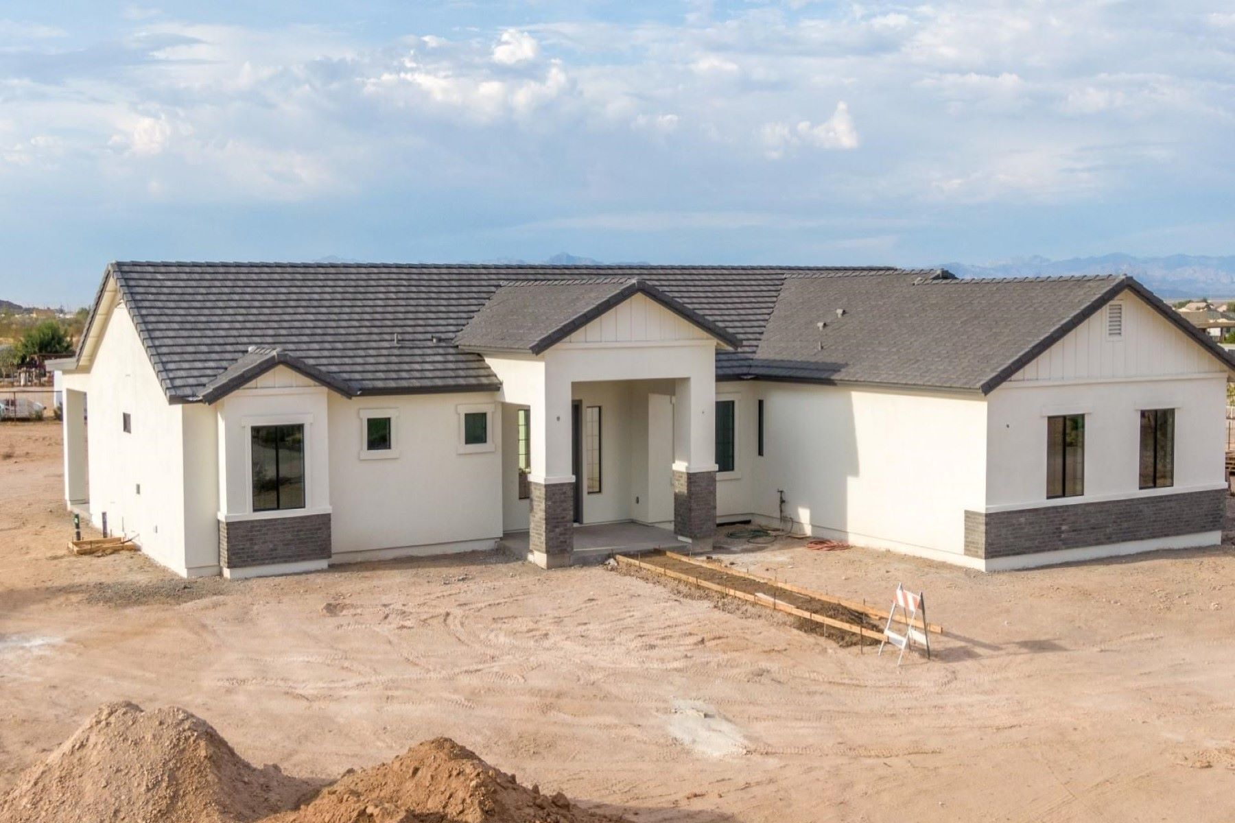 Single Family Homes por un Venta en Chandler Heights Ranches 974 W MOON DUST TRL San Tan Valley, Arizona 85143 Estados Unidos