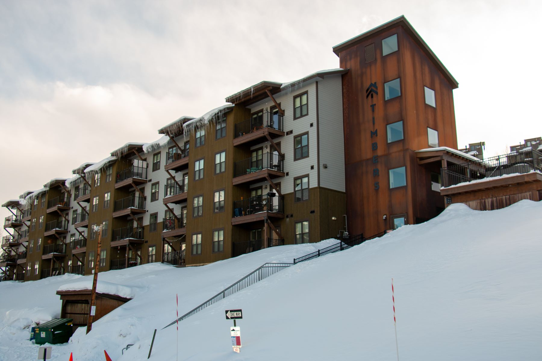 Condominiums のために 売買 アット Primo 2nd Floor Condo in the Timbers Condo Building 20 Marcellina Lane, Unit 212 Mount Crested Butte, コロラド 81225 アメリカ