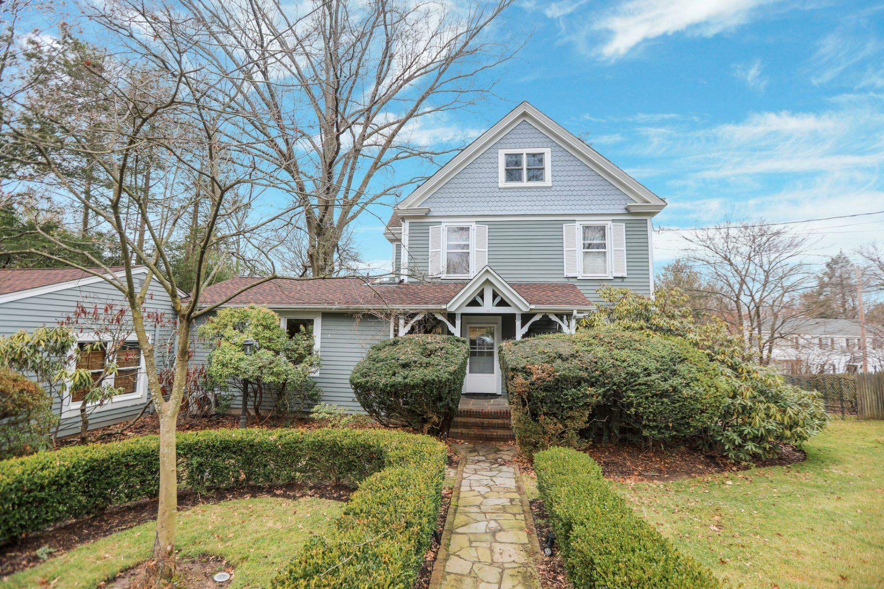 Single Family Homes for Sale at Wonderful Victorian 173 Serpentine Rd Tenafly, New Jersey 07670 United States