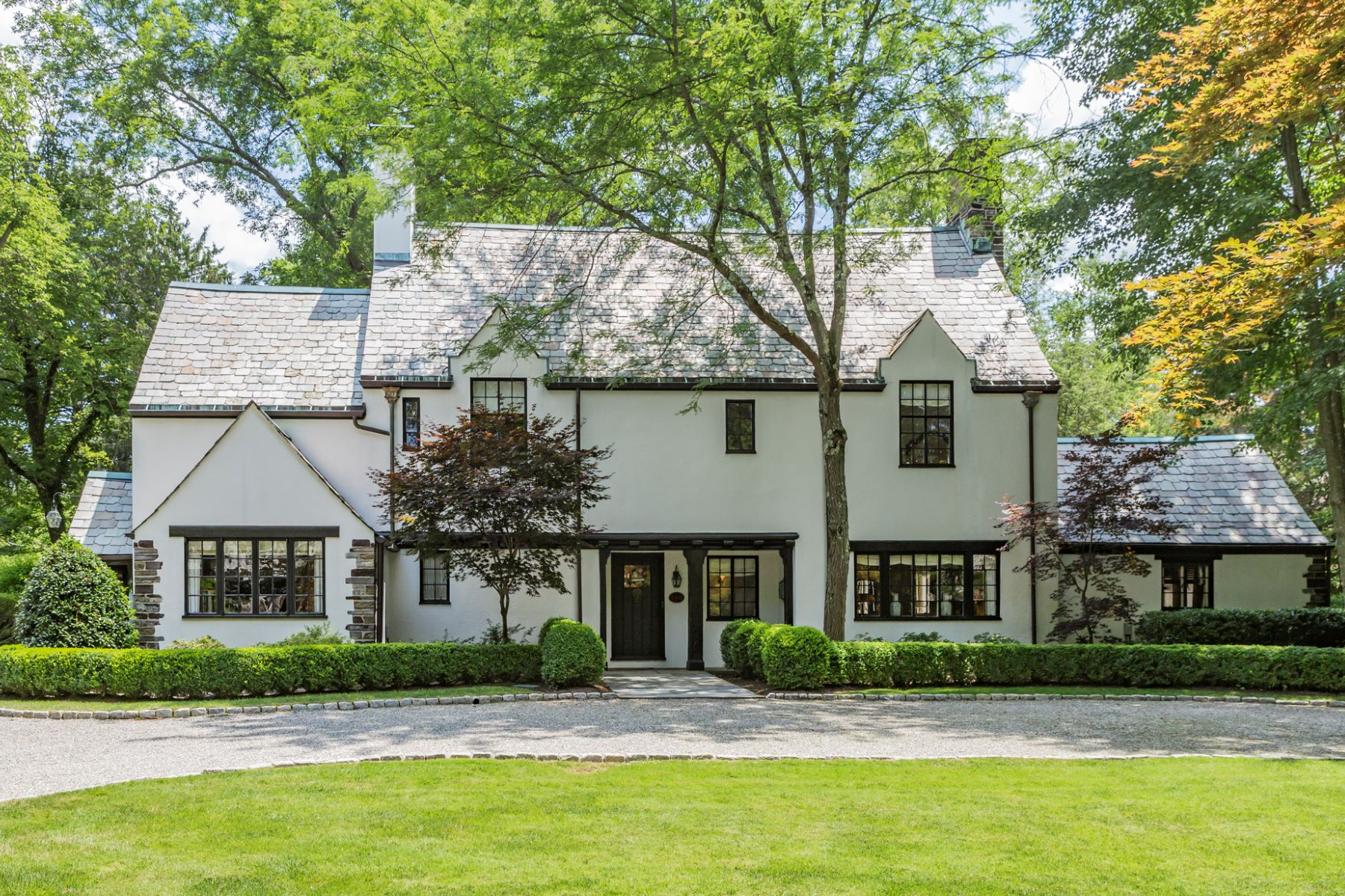 Maison unifamiliale pour l Vente à It Doesn't Get Much Better 148 Hodge Road, Princeton, New Jersey 08540 États-Unis