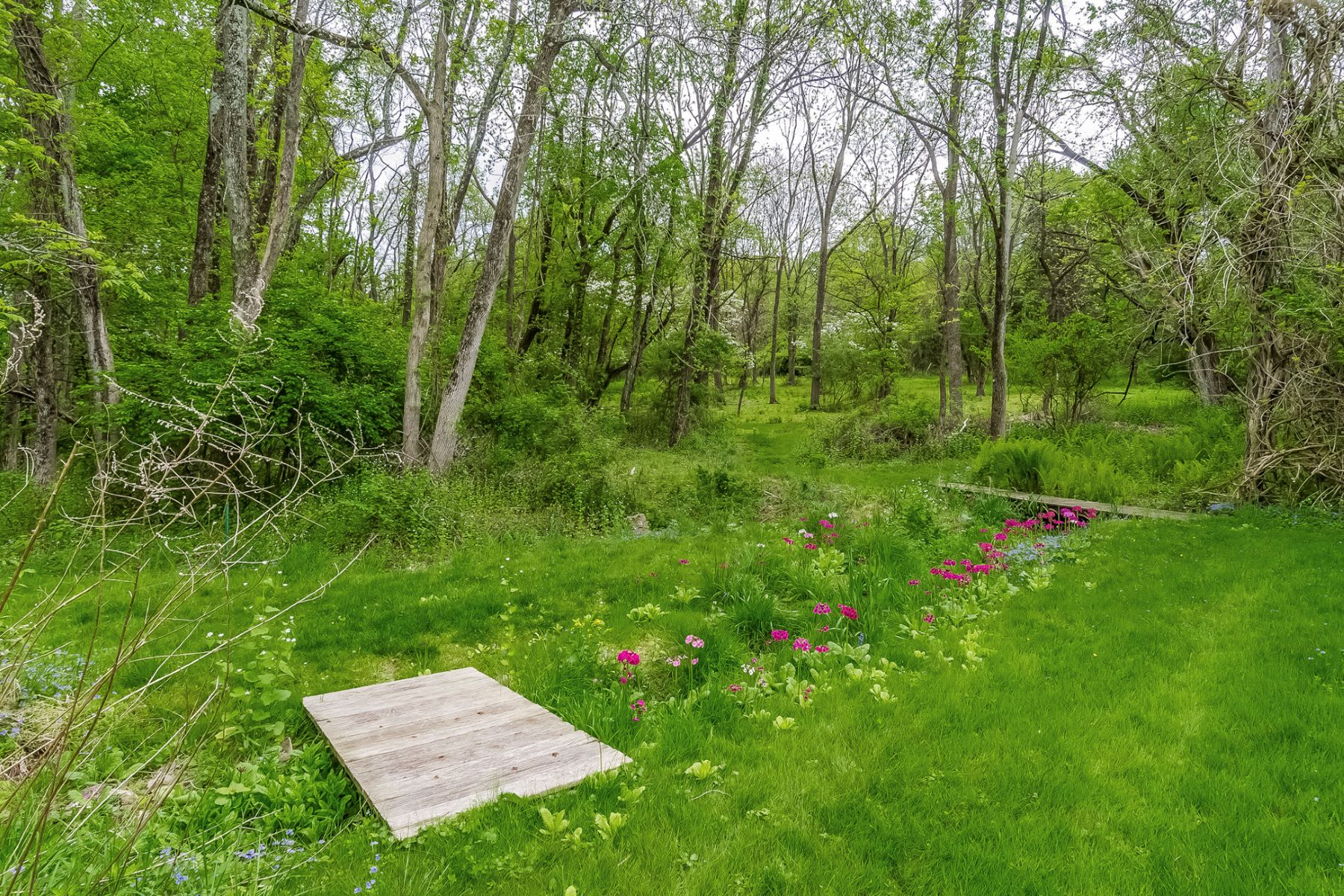 Additional photo for property listing at A Breath Of Fresh Air - Alexandria Township 95 Mount Salem Road, Pittstown, New Jersey 08867 United States