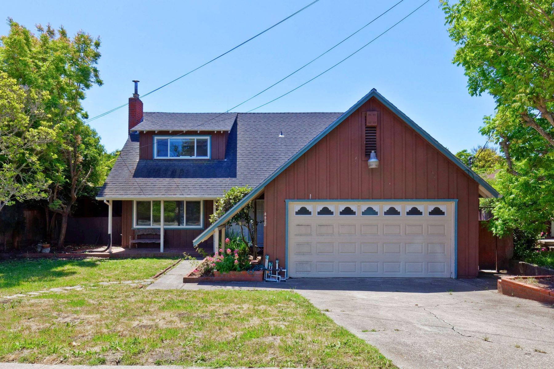 Single Family Homes for Active at Modern And Traditional Elements 4428 Santa Rita Road Richmond, California 94803 United States