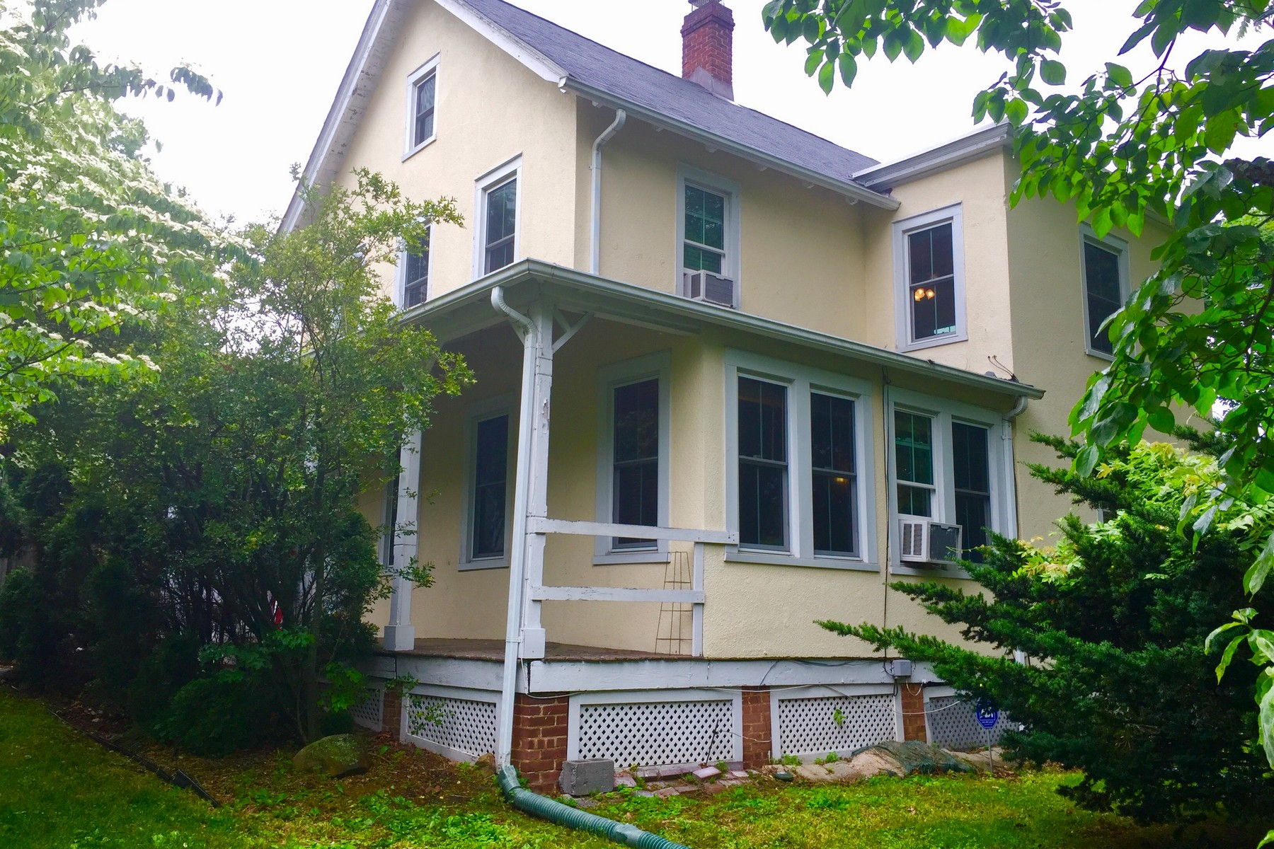 Single Family Homes 為 出售 在 Turn of the Century Colonial 315 North Highland Avenue, Upper Nyack, 纽约 10960 美國