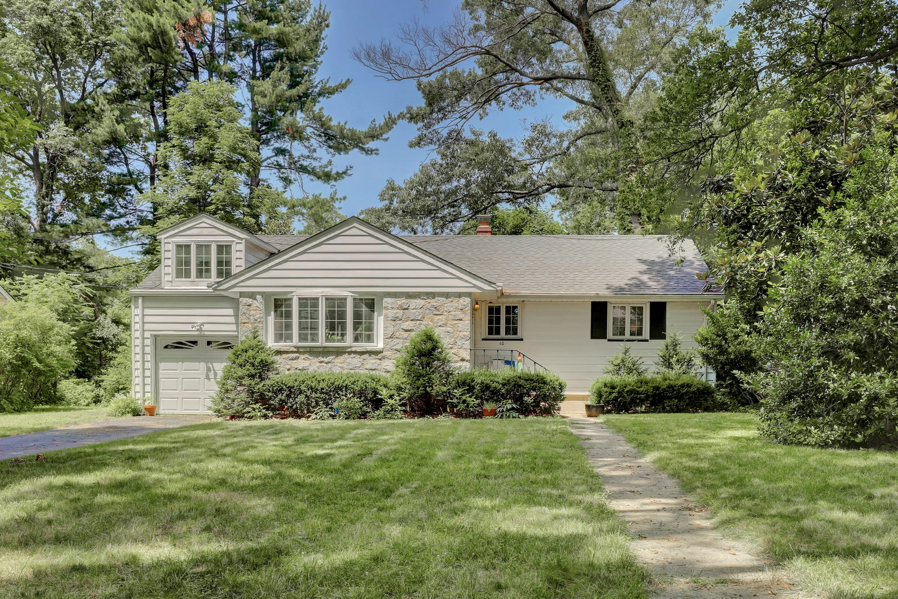 Single Family Homes for Sale at Lovely Ranch Style Home in Glen Rock 10 Brookfield Avenue Glen Rock, New Jersey 07452 United States