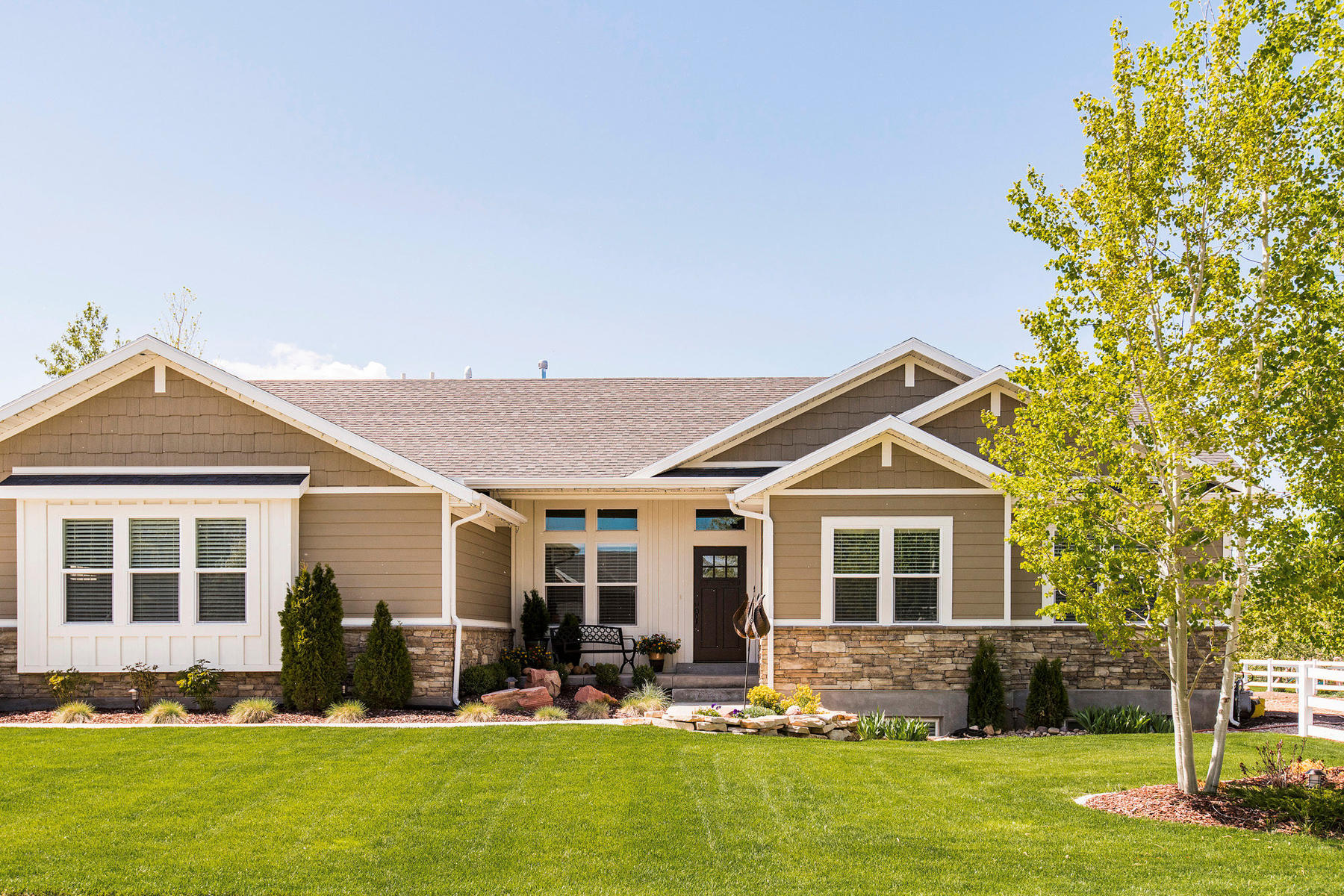 Single Family Homes for Active at Perfect Main-Level Living on a Beautiful Half-Acre 795 W Oak Ln Lot #A28 Francis, Utah 84036 United States