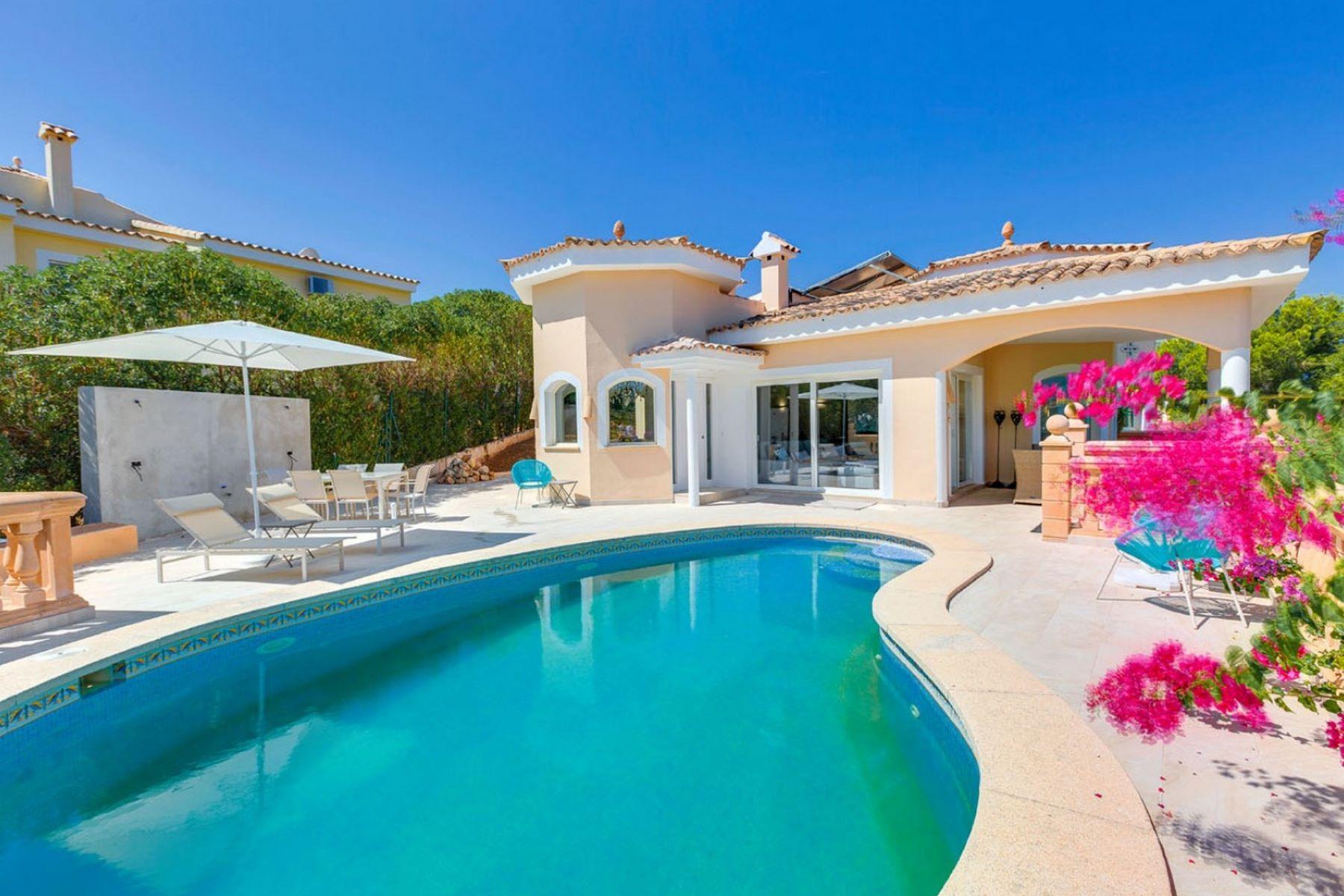 واحد منزل الأسرة للـ Sale في Chalet in Santa Ponsa Santa Ponsa, Balearic Islands, Spain
