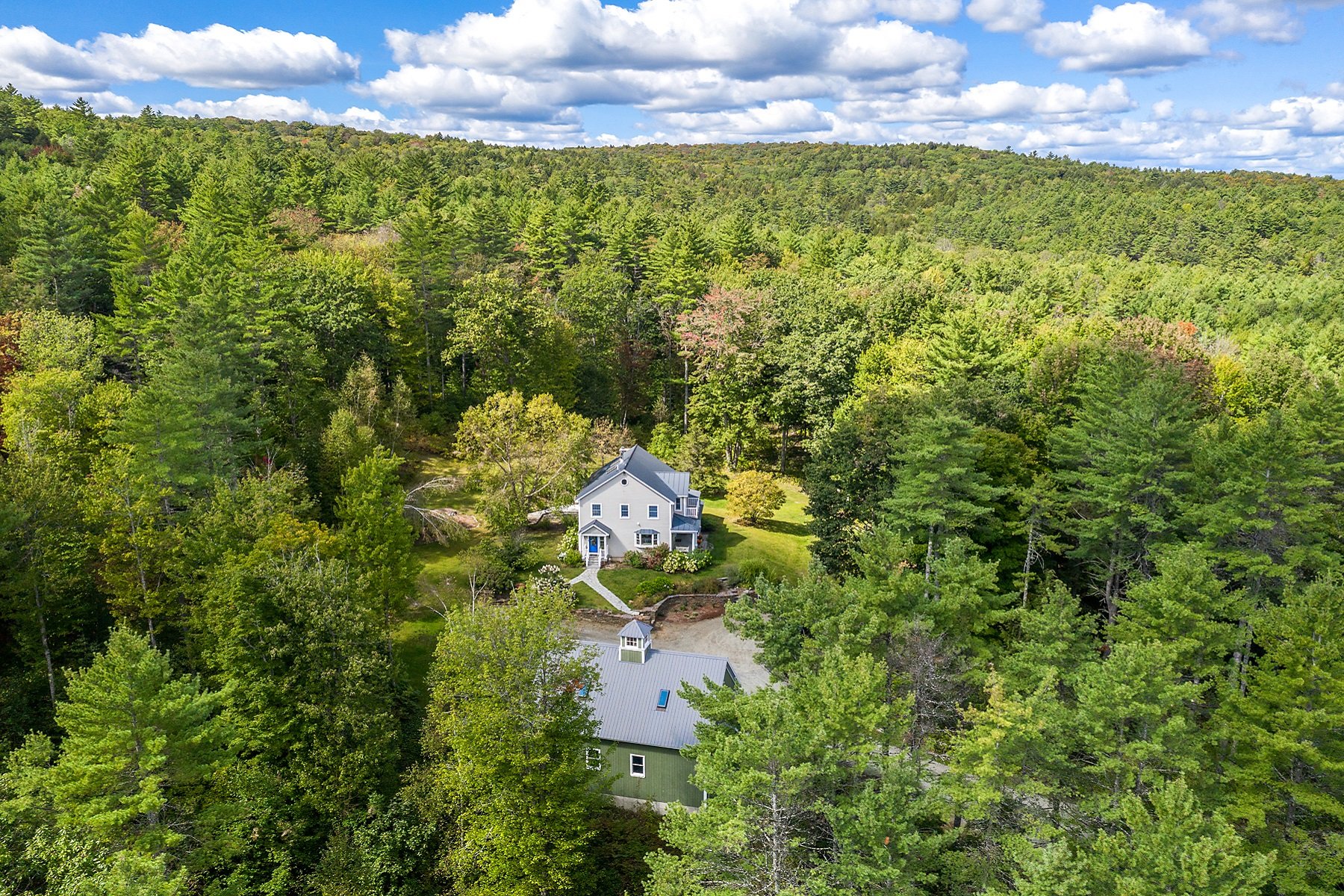 Single Family Homes for Sale at Gracious, Sun-Filled Home 1380 Old Quechee Road Hartford, Vermont 05001 United States