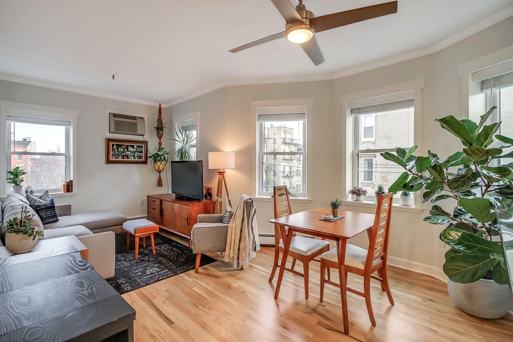 Condominiums 为 销售 在 Downtown Hoboken two bedroom condo 301 Monroe Street #3R, 霍博肯, 新泽西州 07030 美国