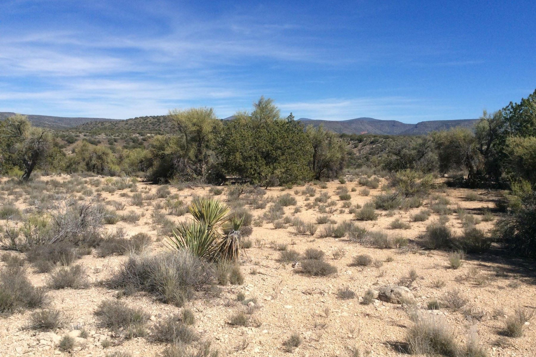Land for Active at Well maintained lot bordering the state forest 4790 E Crazy Horse Circle Rimrock, Arizona 86335 United States