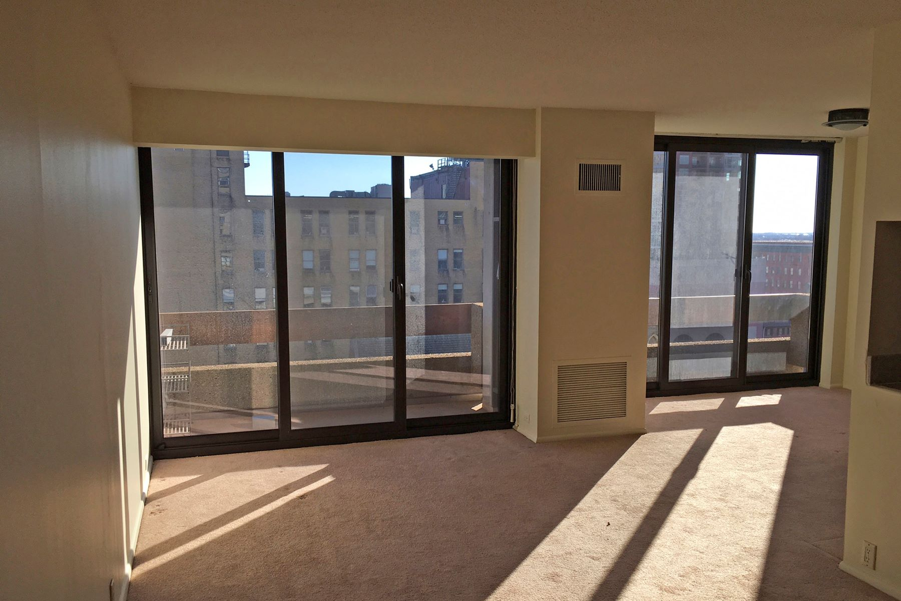 rentals property at Center City One