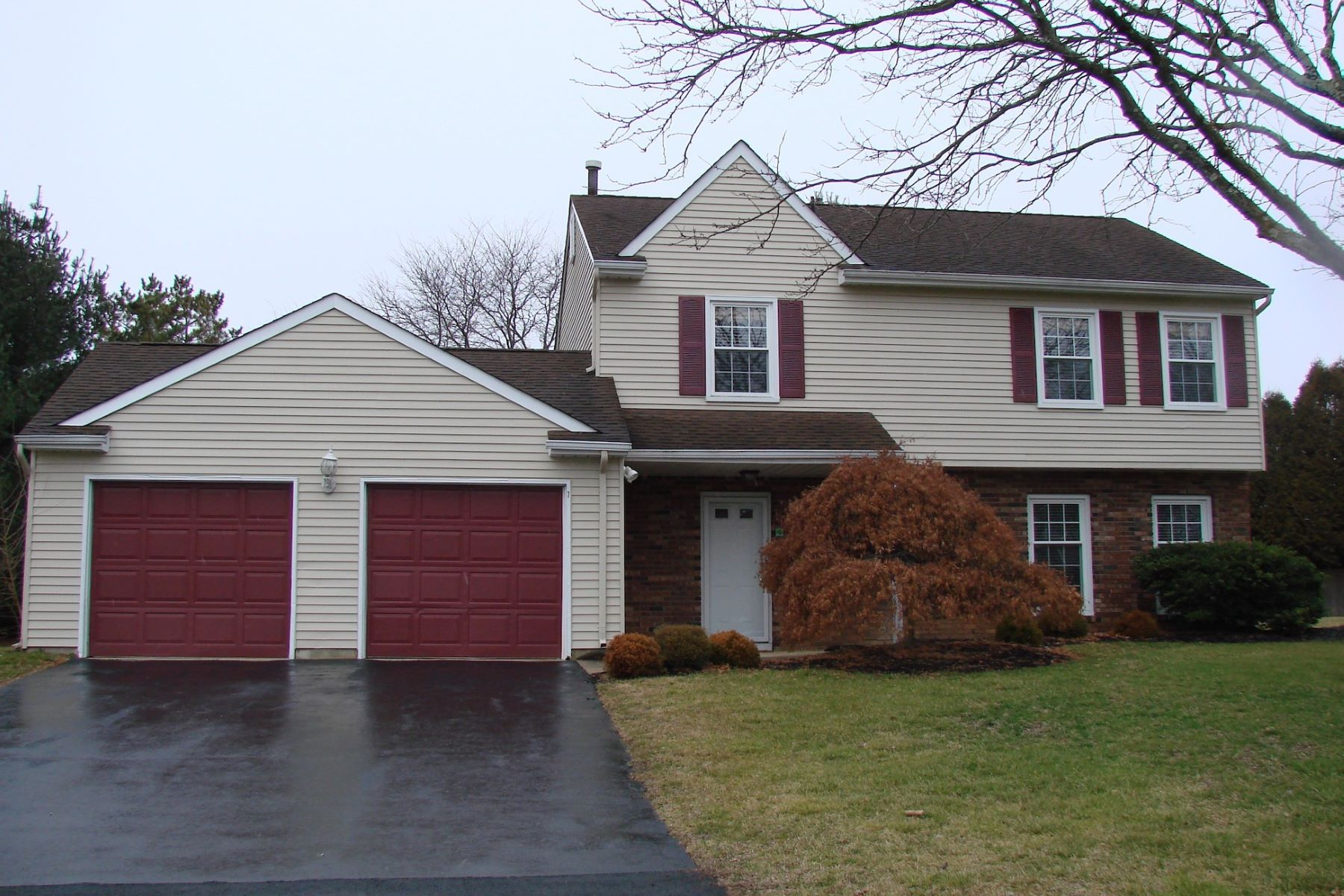 Single Family Homes for Rent at Four Bedroom Colonial in Princeton Collection for Rent 7 Major Lane, Plainsboro, New Jersey 08536 United States