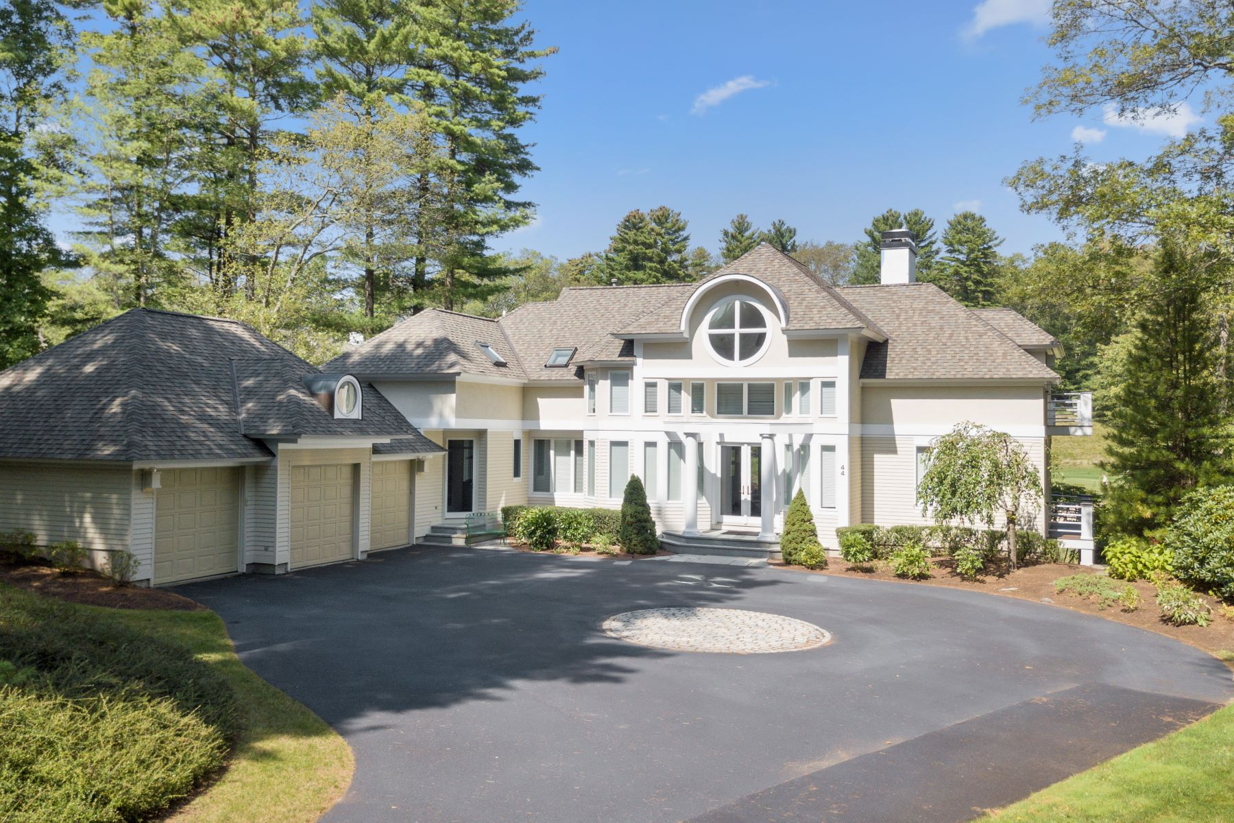 Casa Unifamiliar por un Venta en Privacy And View's 44 Southpoint Lane Ipswich, Massachusetts 01938 Estados Unidos