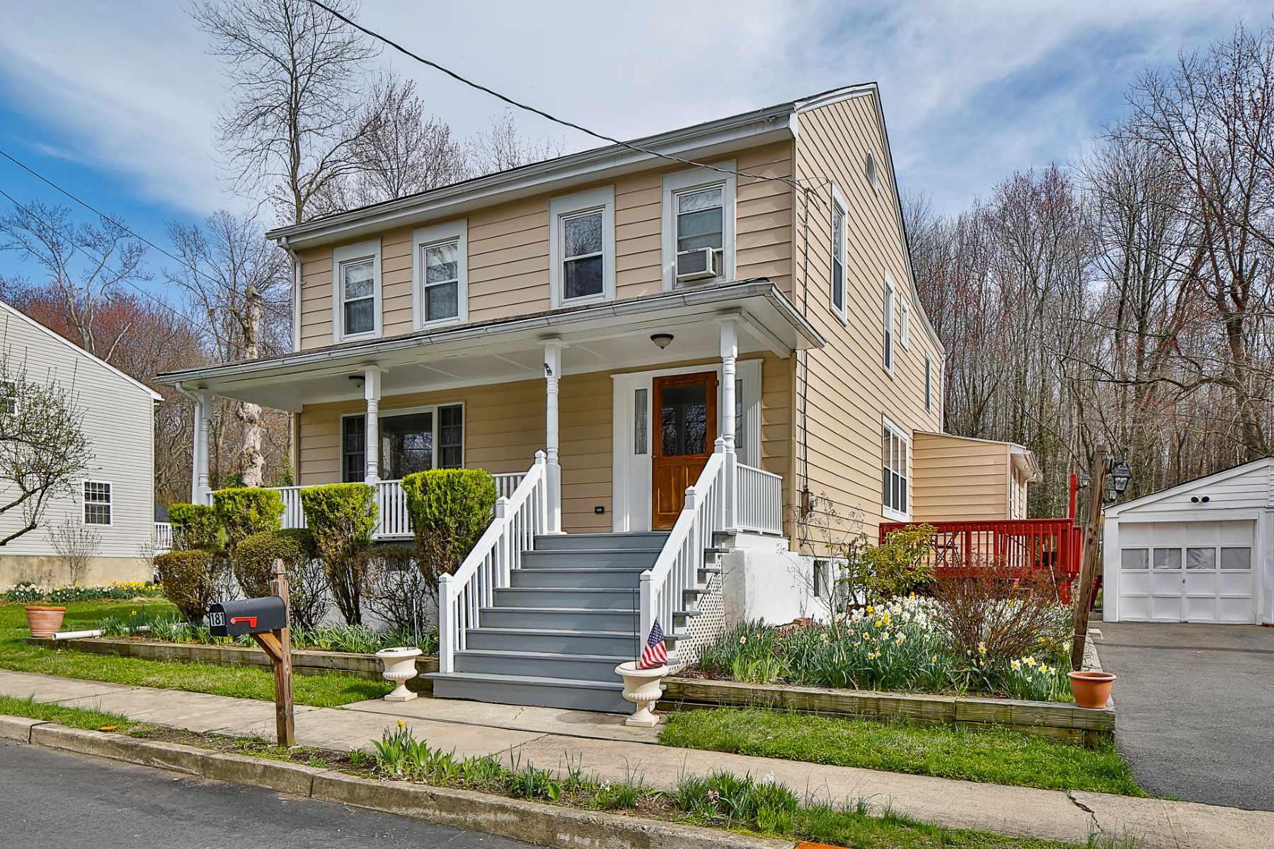 Single Family Homes per Vendita alle ore Out Back, A View of State-Preserved Woodlands 181 Lawn Park Avenue, Lawrence, New Jersey 08648 Stati Uniti