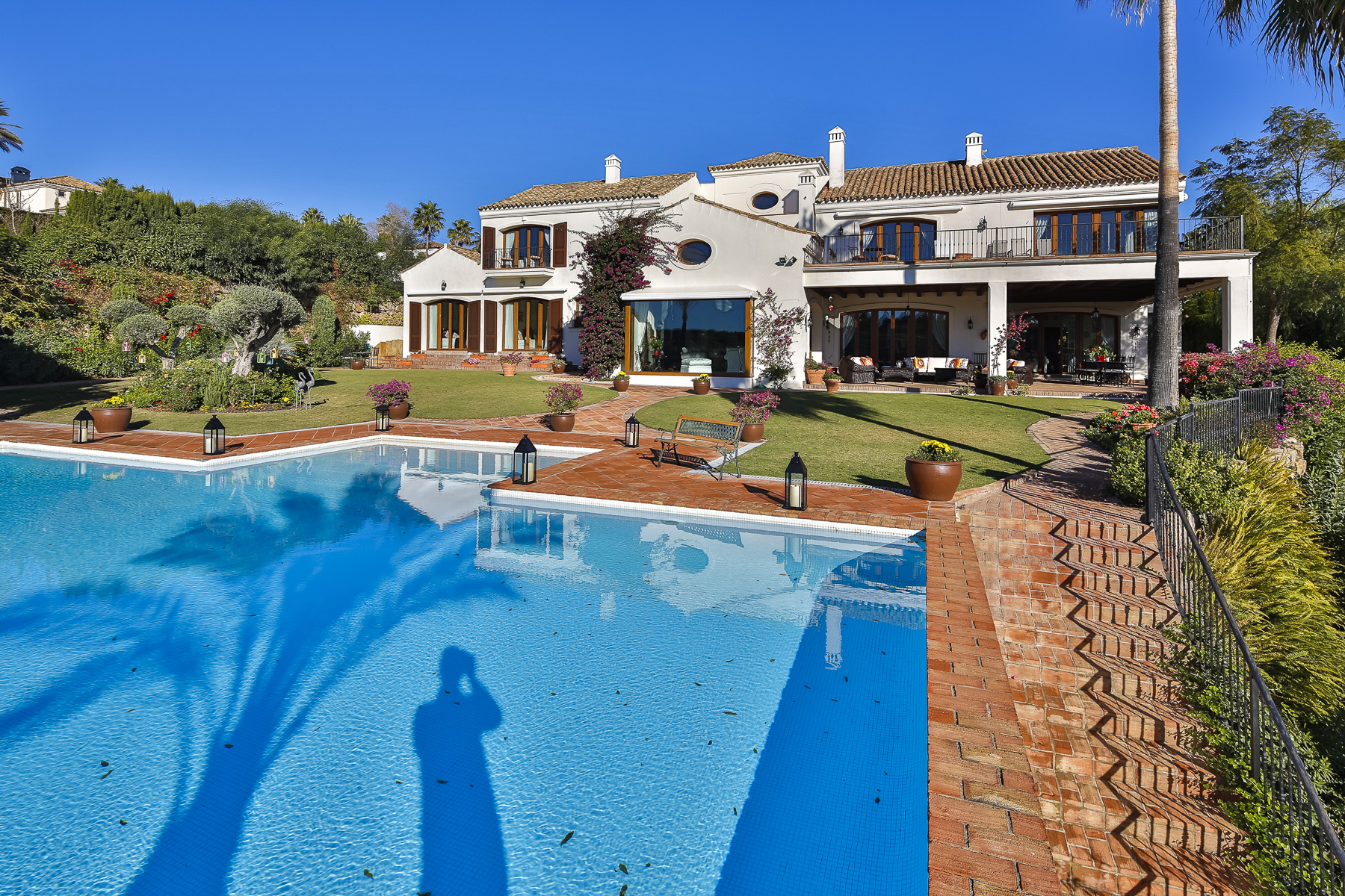 Einfamilienhaus für Verkauf beim Luxurious Andalusian style villa of 1,032 sq. m built on two plots of 6000 sq. m Sotogrande Alto, San Roque, Andalucia, 11310 Spanien