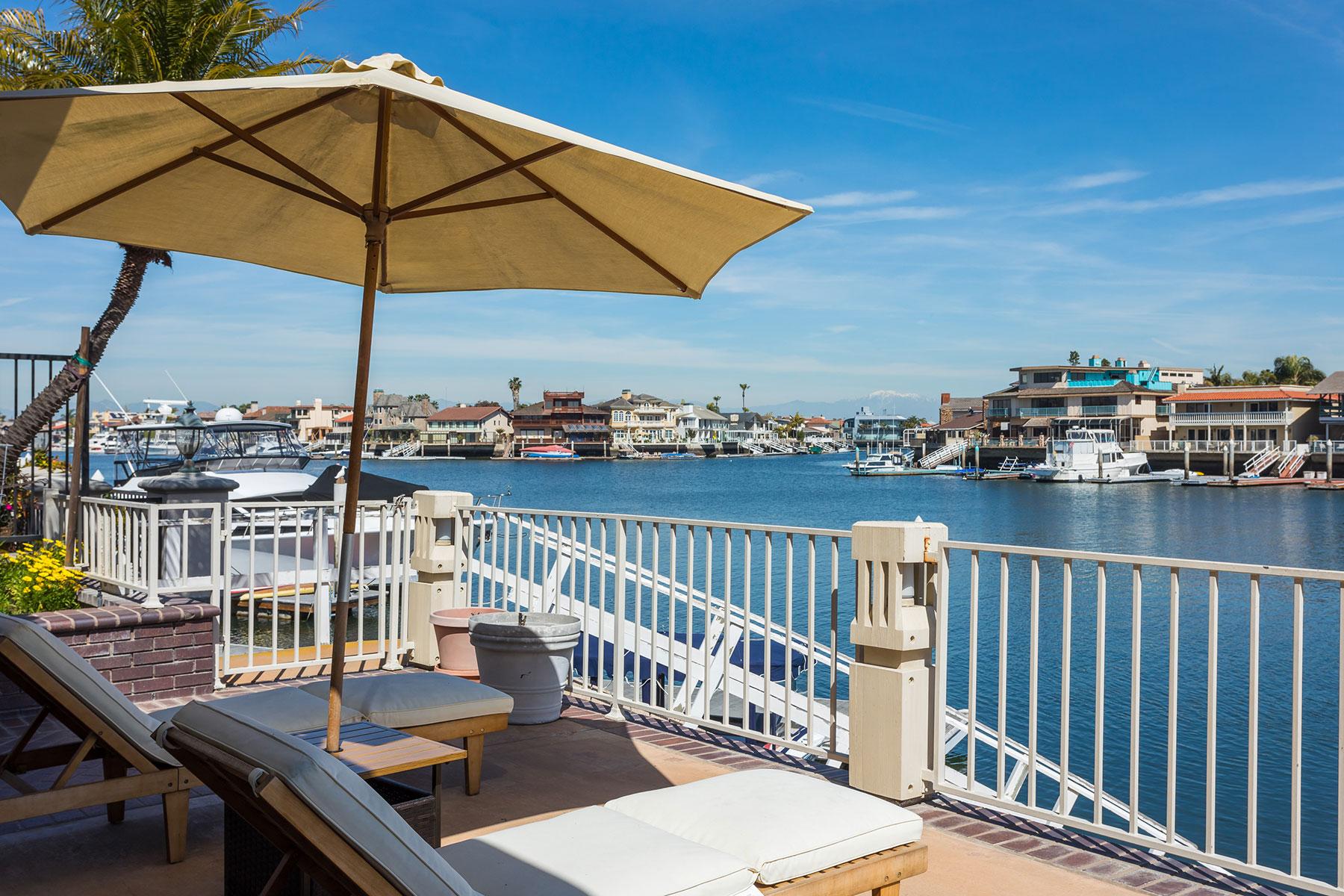 Частный односемейный дом для того Продажа на 16872 Coral Cay Huntington Beach, 92649 Соединенные Штаты