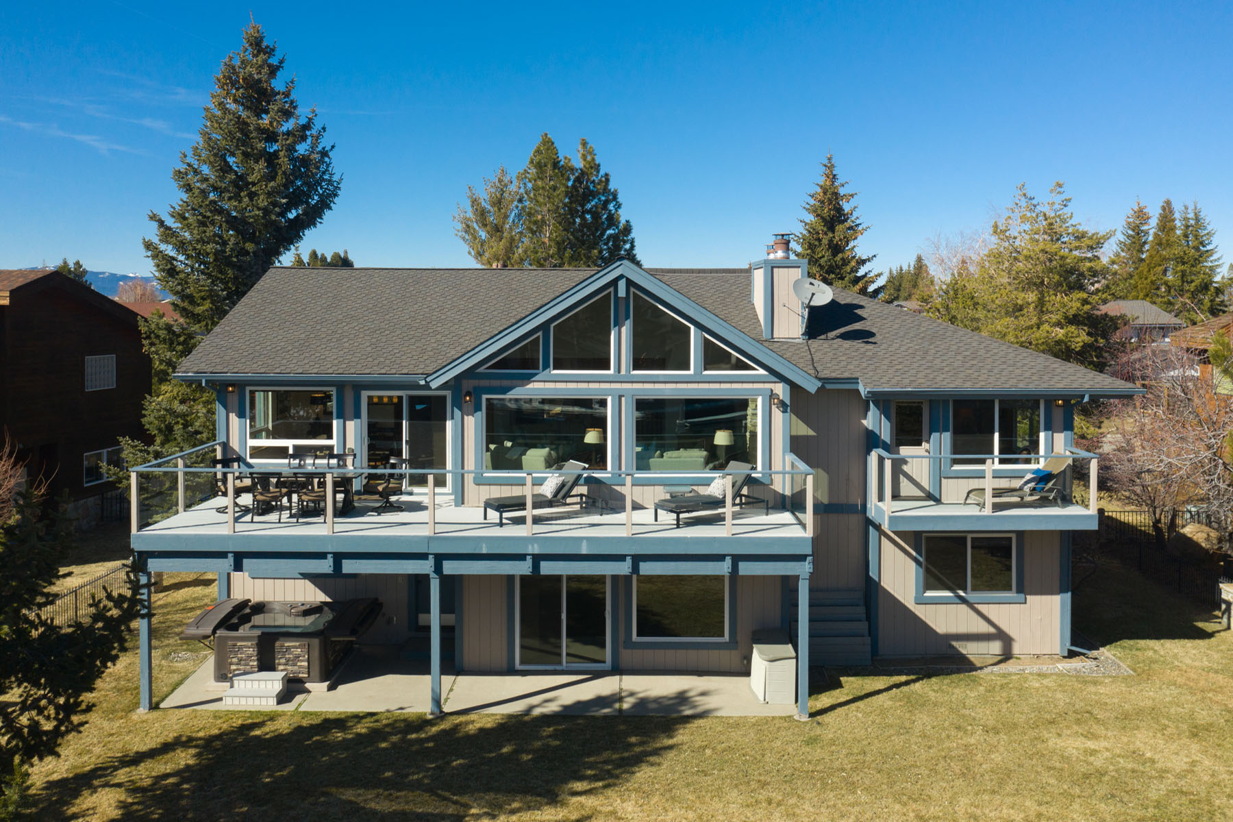 Additional photo for property listing at On the Water Tahoe Style 2188 White Sands Drive 南太浩湖, 加利福尼亚州 96150 美国
